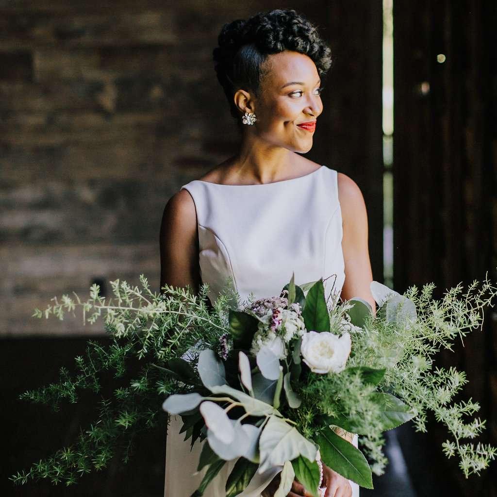 15 Gorgeous Winter Wedding Bouquets