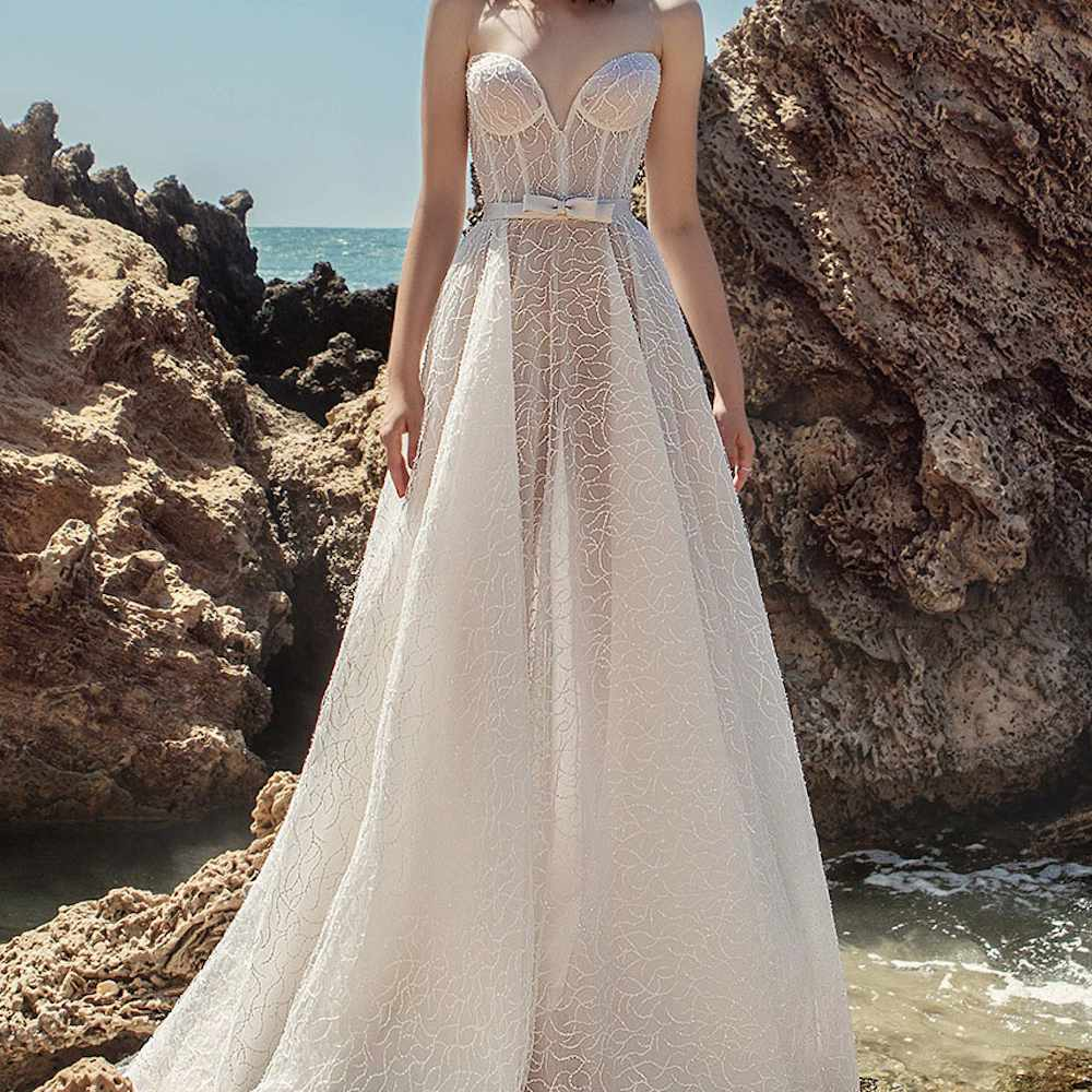 20 Sexy Wedding Dresses for the Bold Bride
