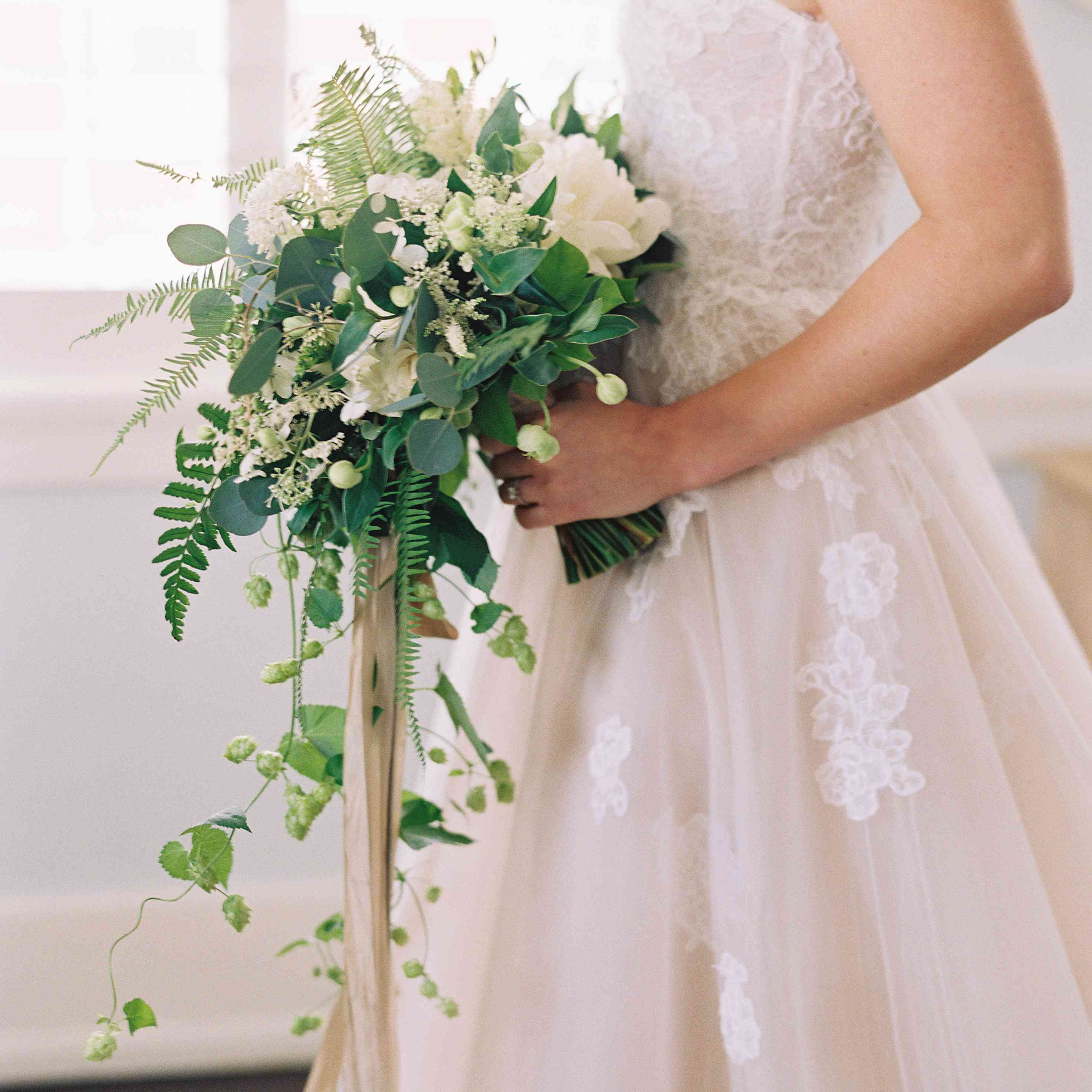 These Wedding Bouquet Trends Were Huge In 2019