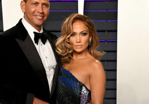 <p>Alex Rodriguez (left) and Jennifer Lopez (right) attend the 2019 Vanity Fair Oscar Party in Beverly Hills, California.</p>