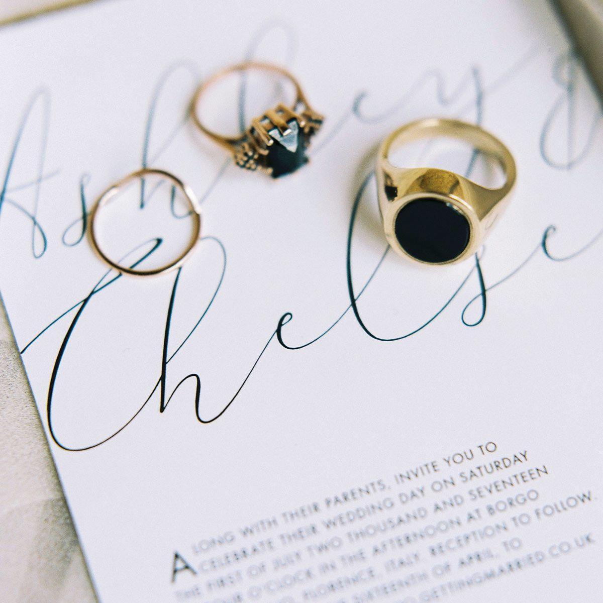<p>Black diamond wedding rings</p>