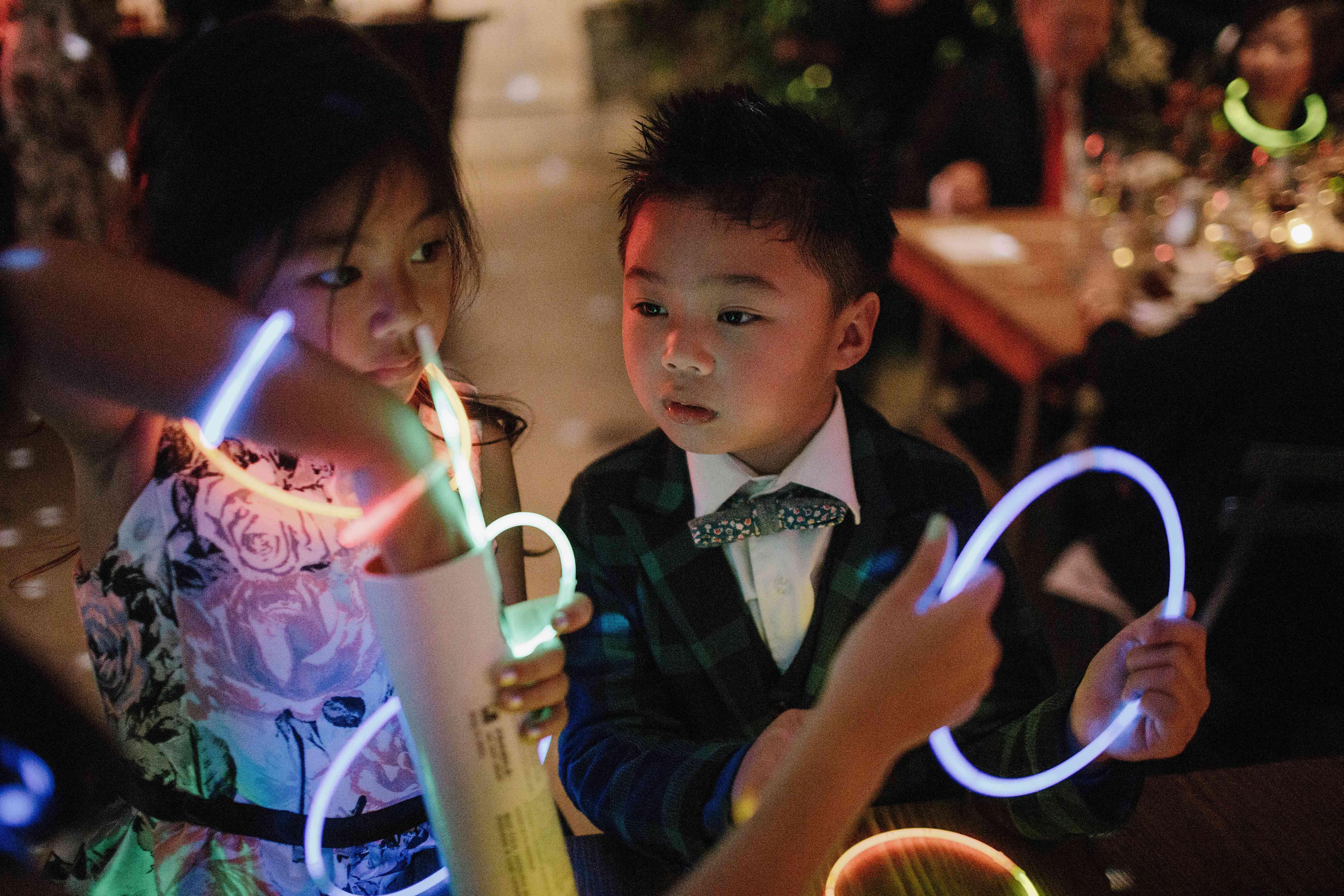 <p>Kids with glowsticks</p><br><br>