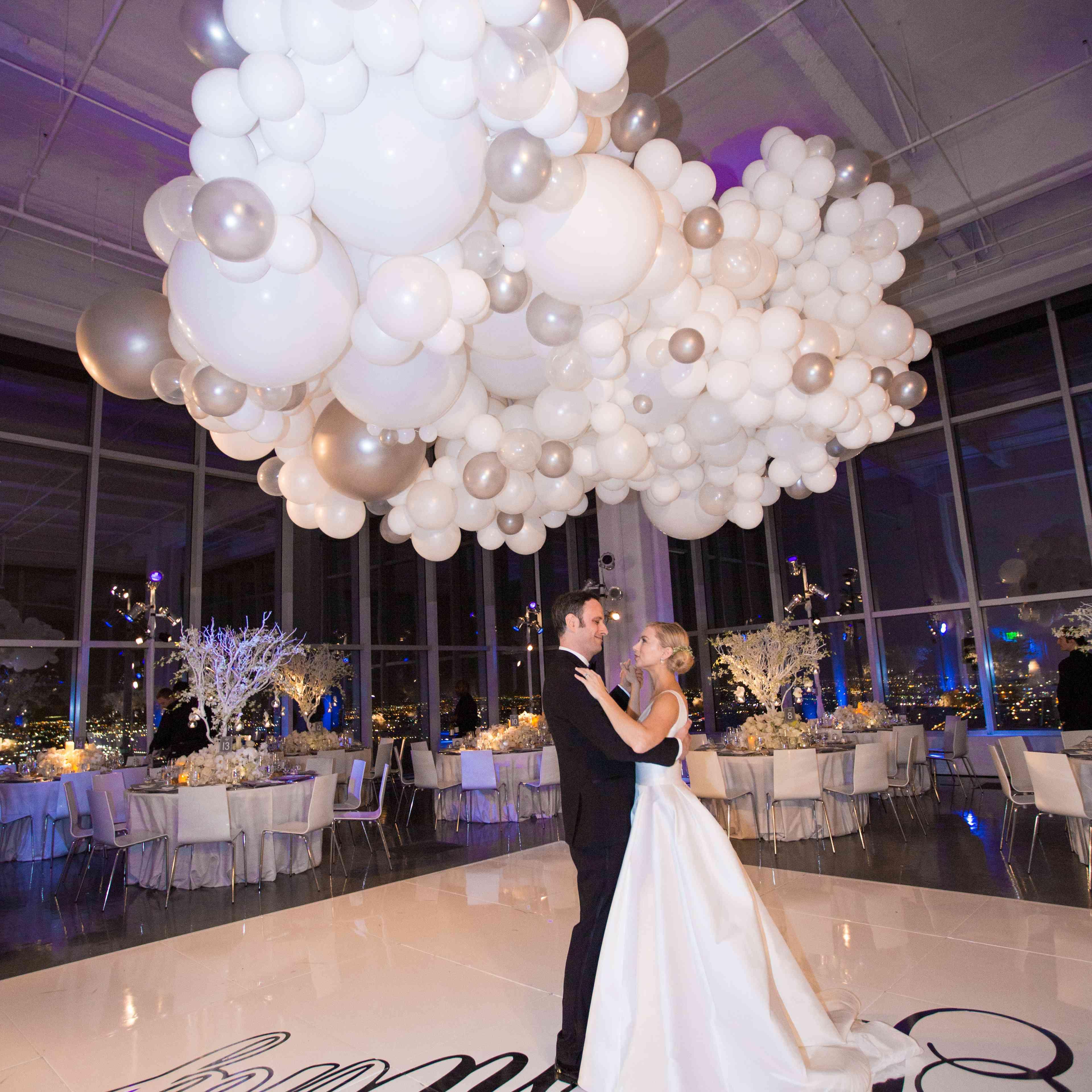 first dance ballon structure decoration