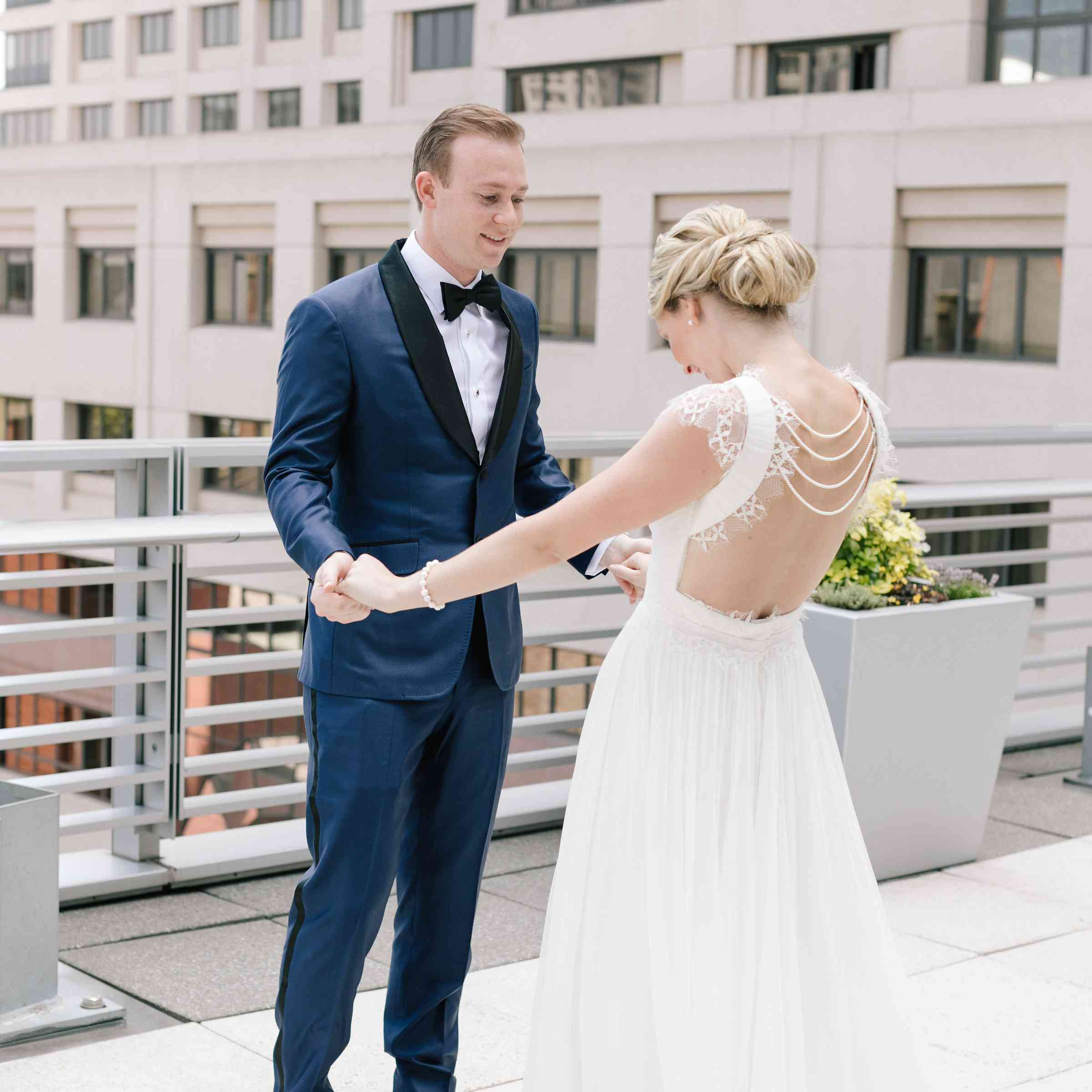 An Indoor San Francisco Wedding With Gorgeous Garden Vibes