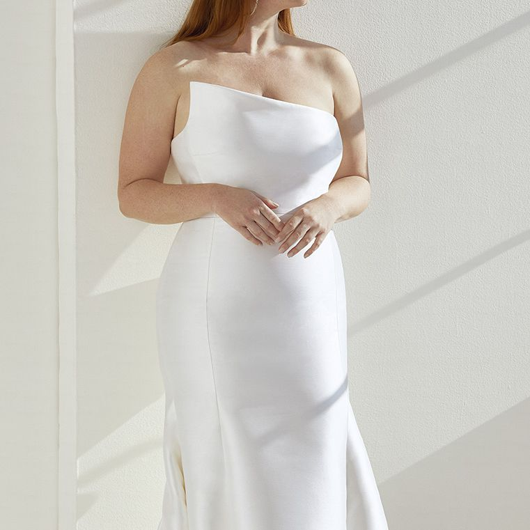 Ashley Graham x Pronovias Collection