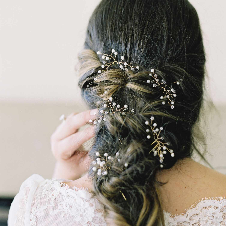 Brides hair accessories