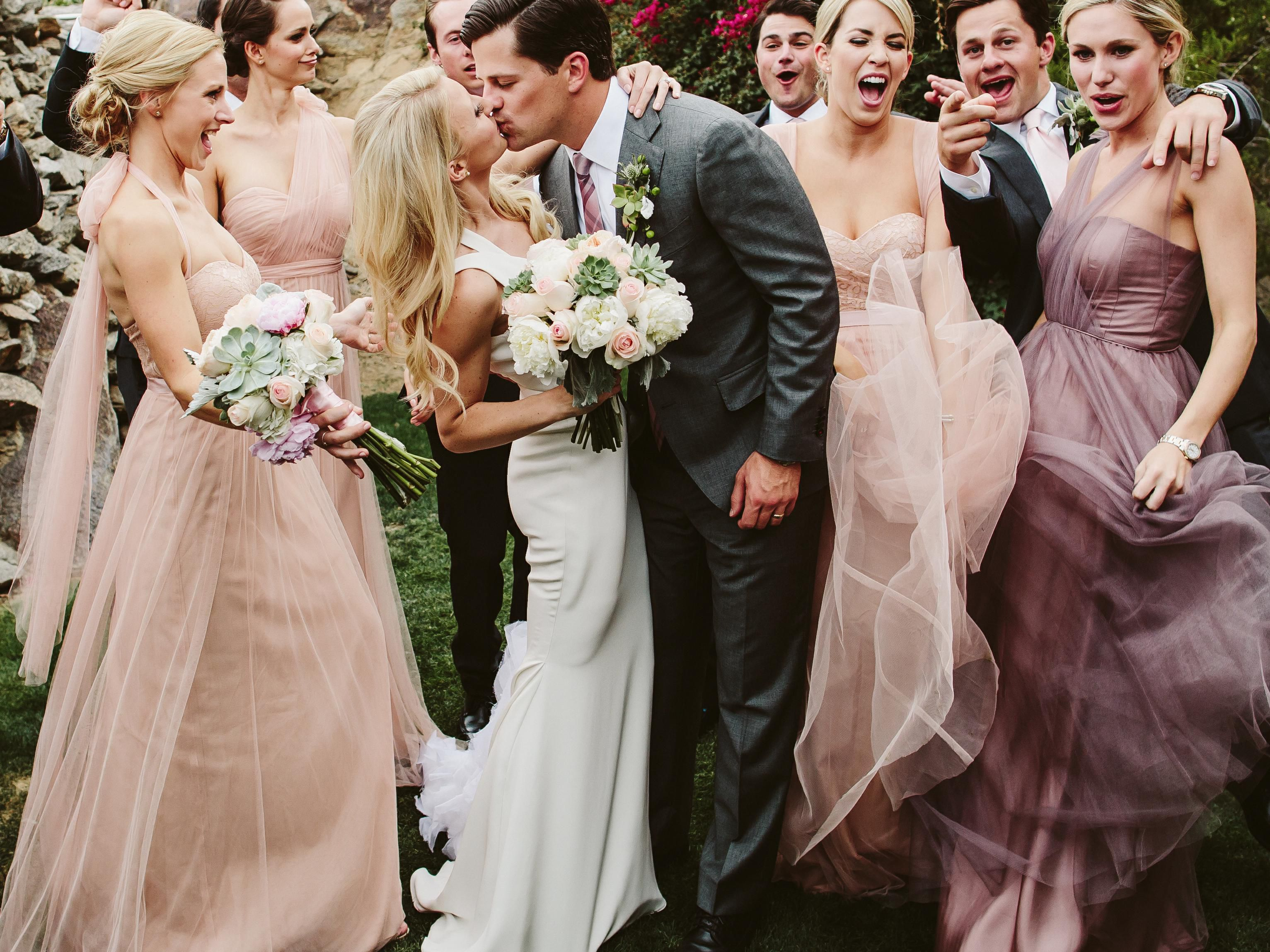 How To Figure Out The Order Of Bridesmaids And Groomsmen At The Ceremony