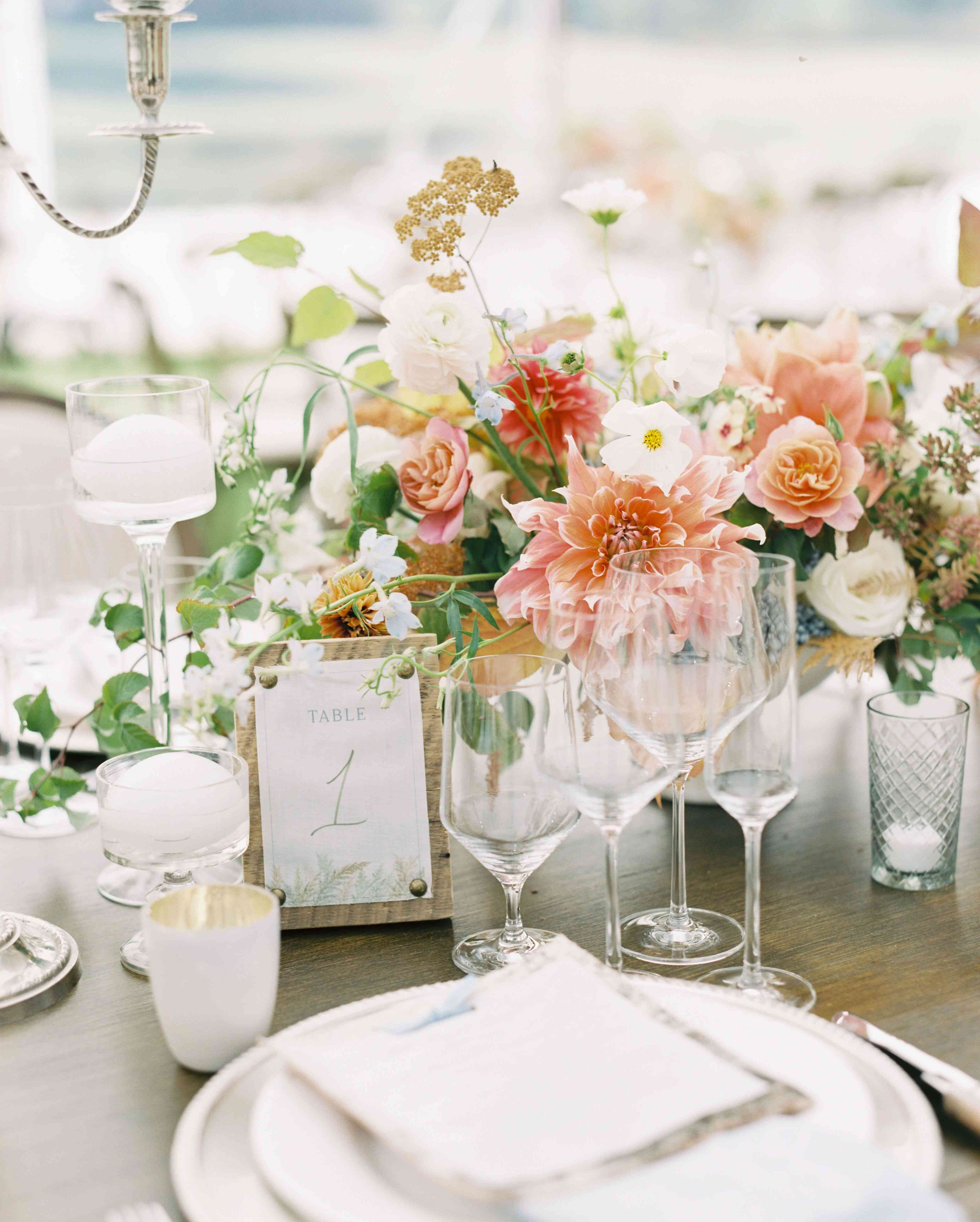 Table setting with tacked table numbers