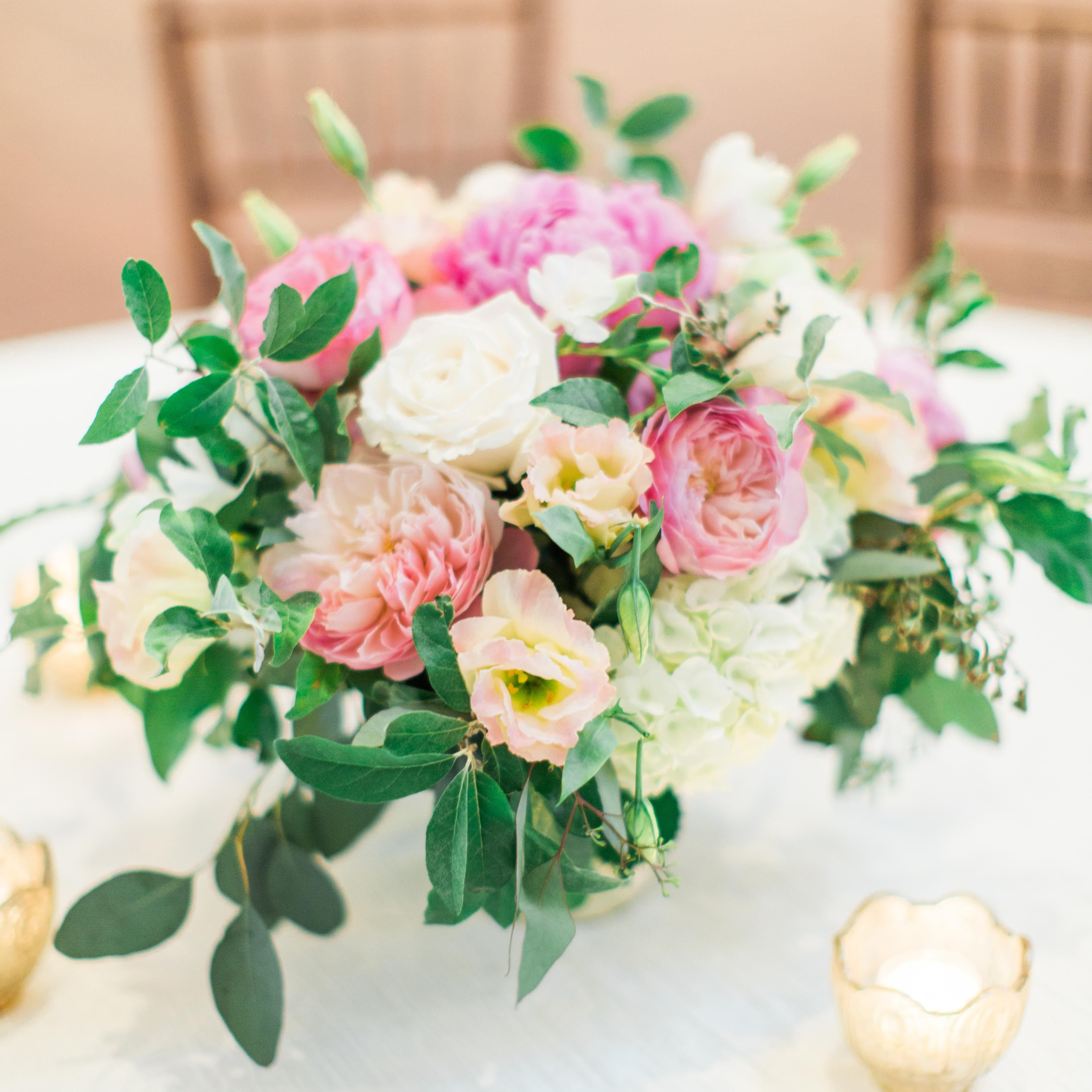 This New Wedding Flower Service Will Save You So Much Money On Florals