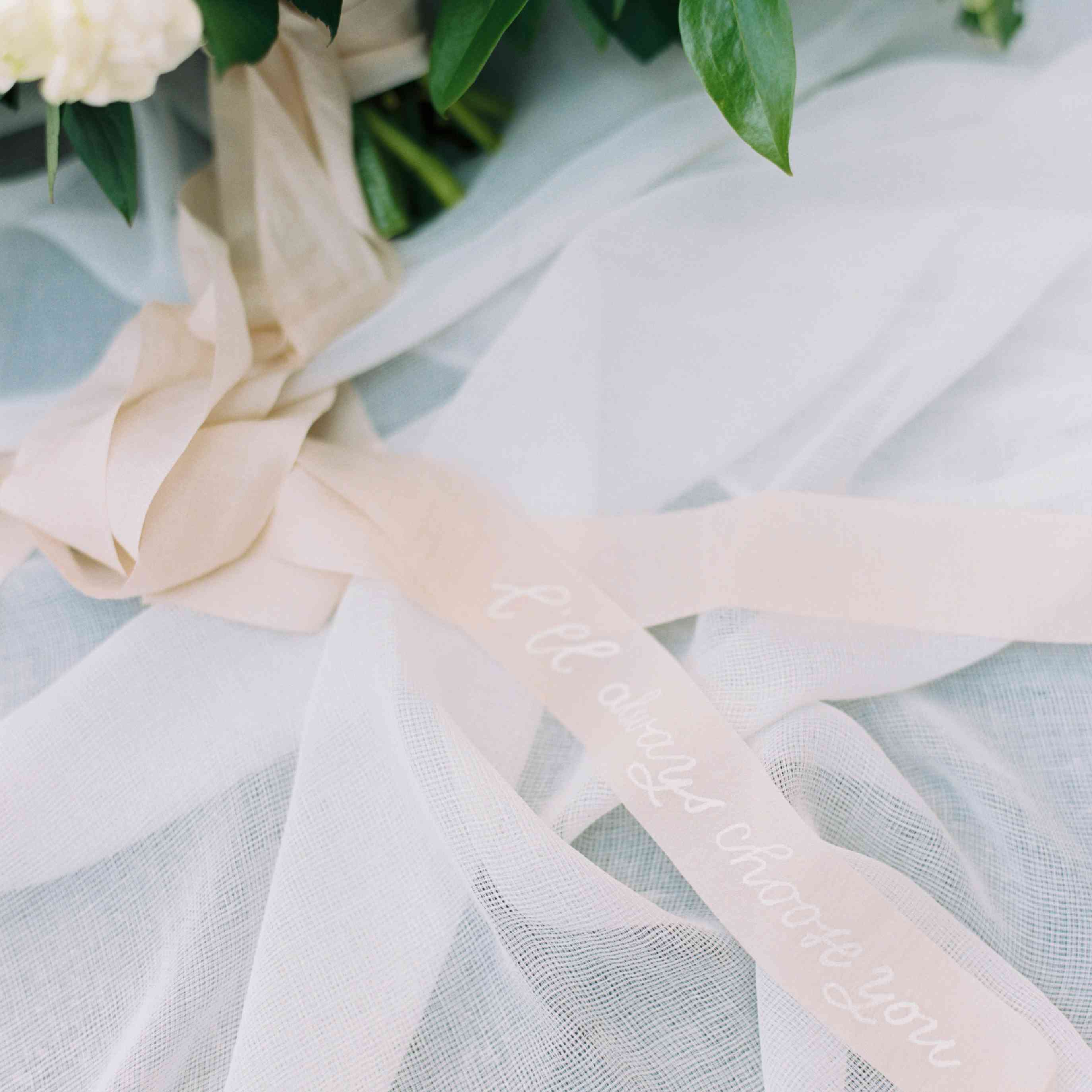 Bouquet ribbon detail