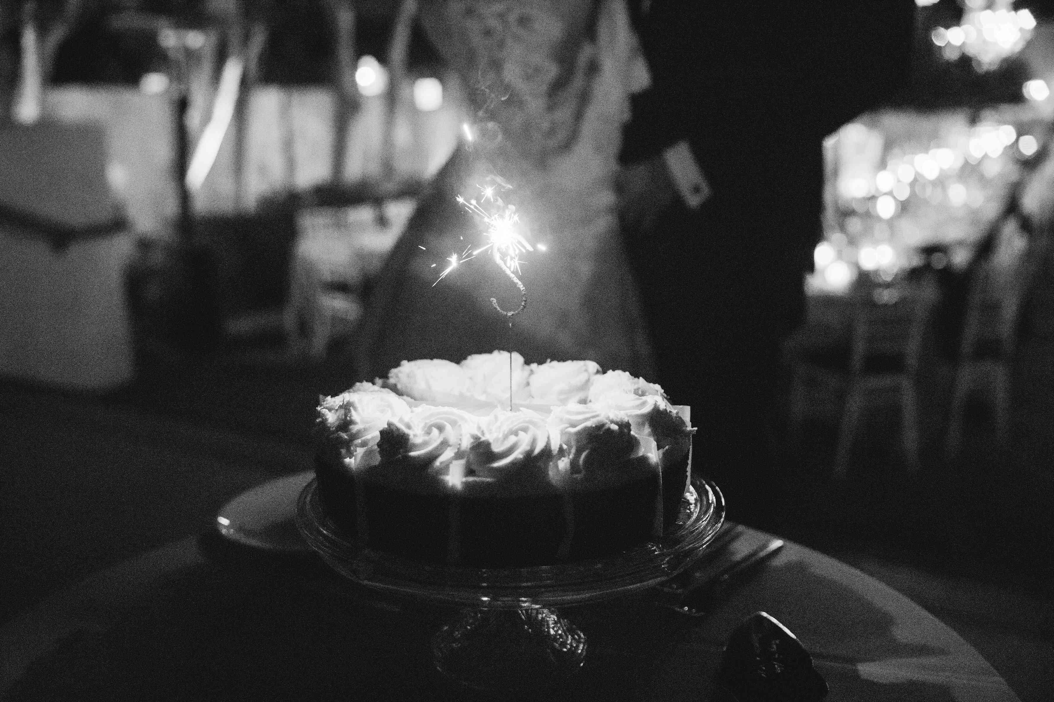 <p>cheesecake sparkler</p>