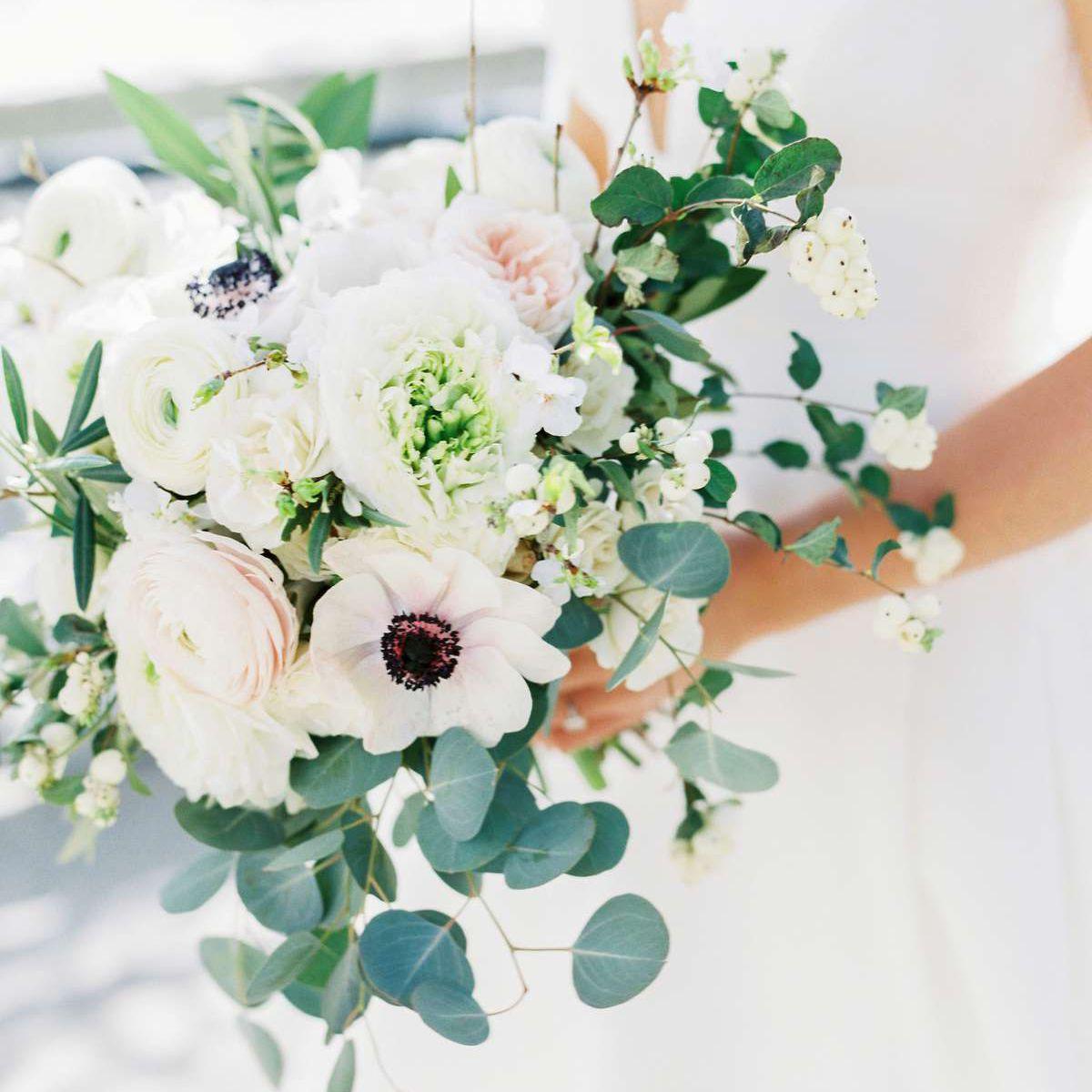 22 Unique And Bold Anemone Bouquets