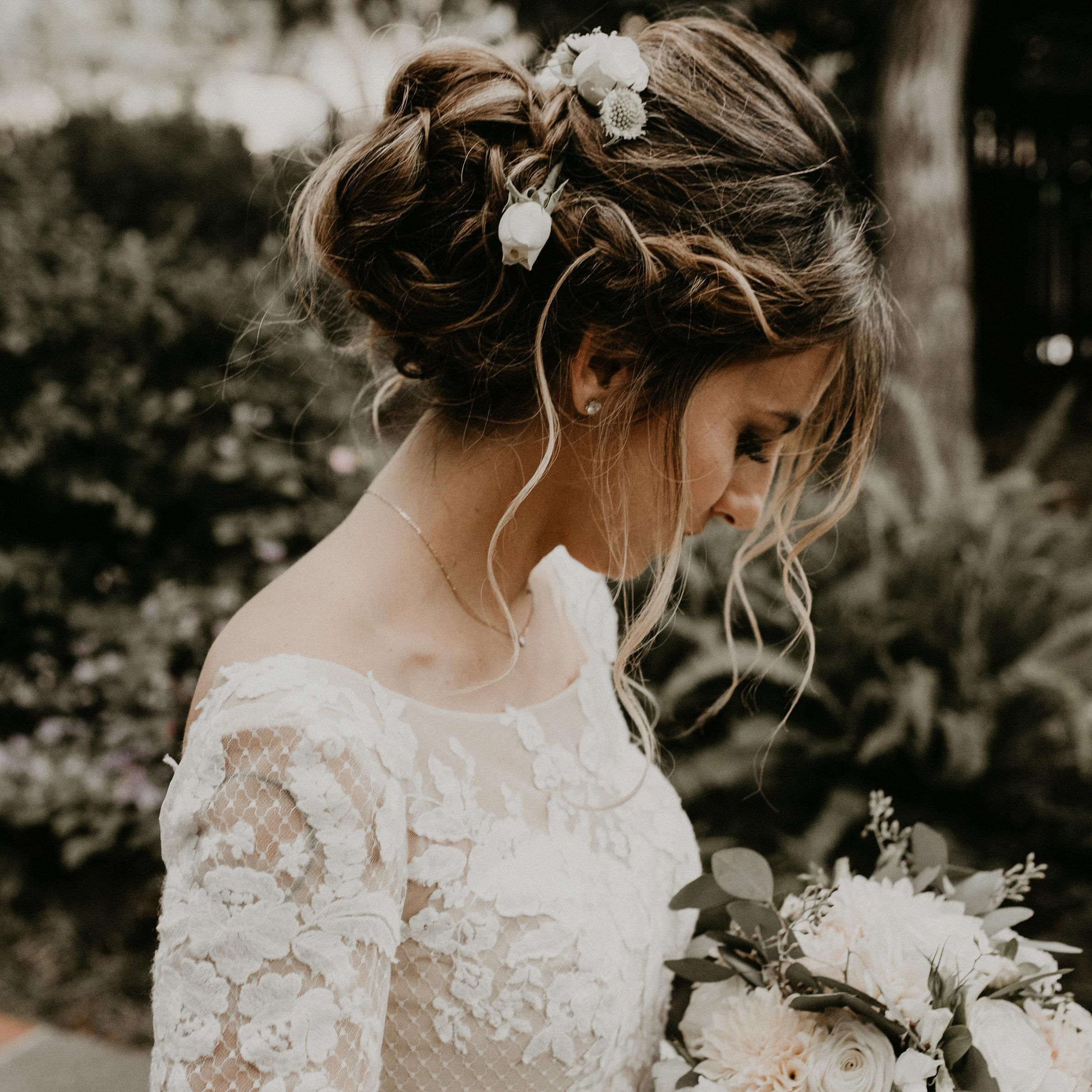 34 Perfectly Imperfect Bridal Updos