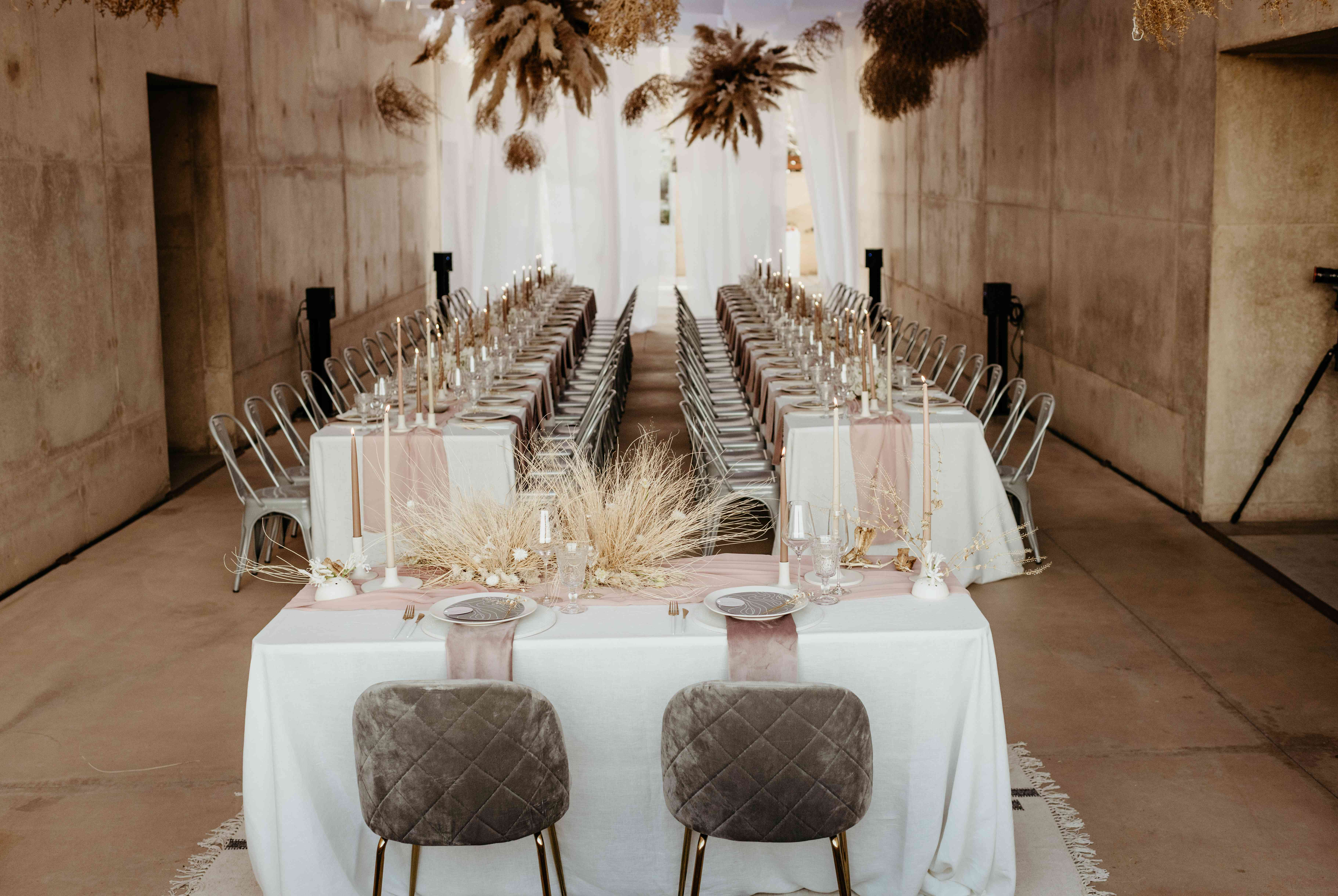 Desert-inspired sweetheart table and reception space
