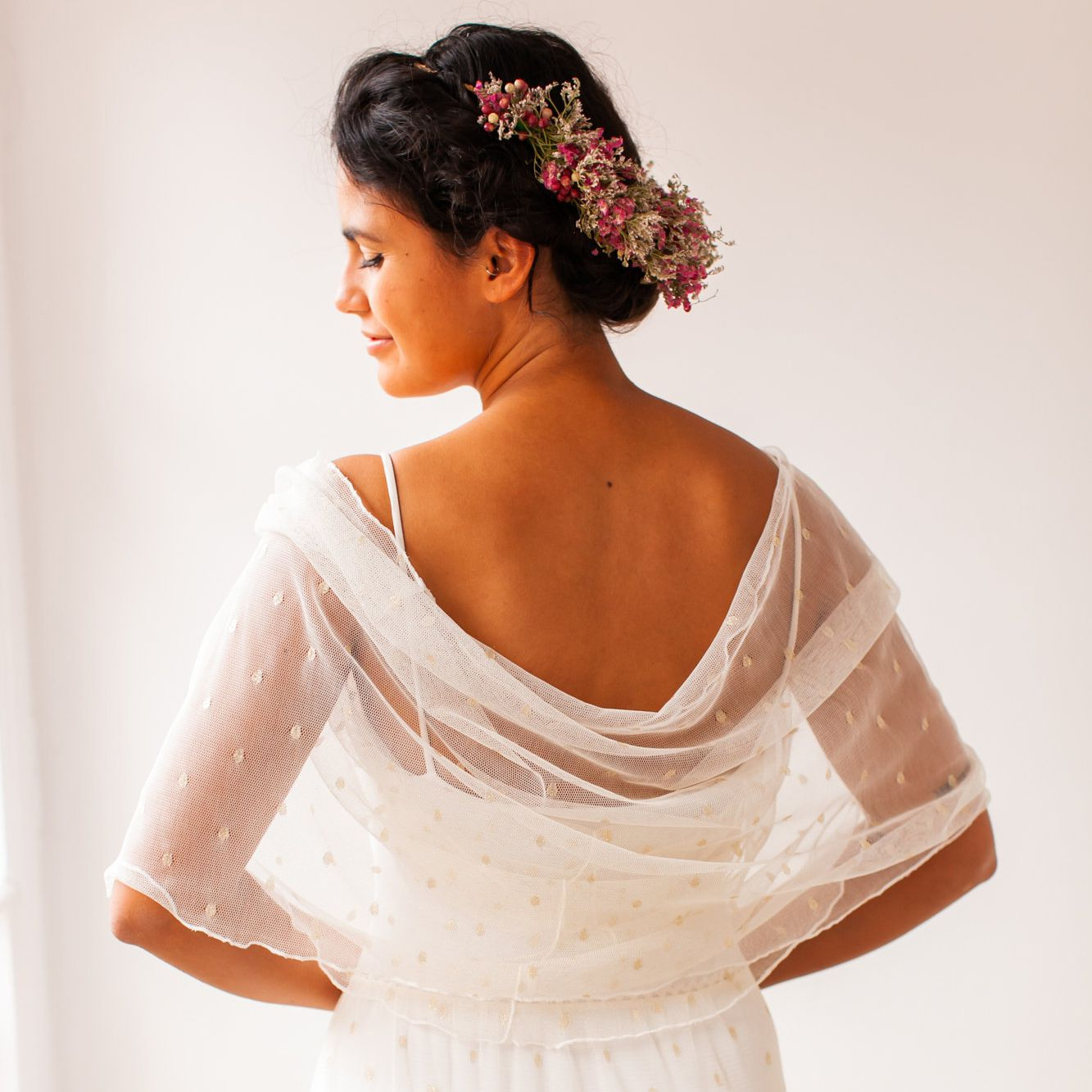 The 26 Best Bridal Shawls Of 2020