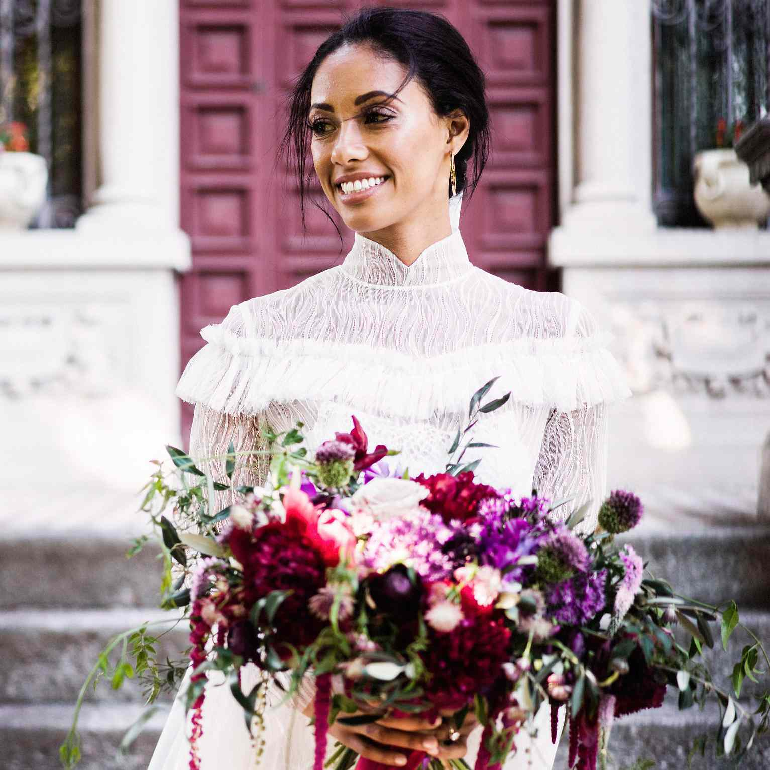 Wedding Flowers For Winter: 11 Gorgeous Winter Wedding Bouquets