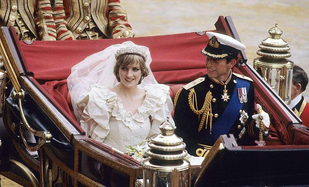 princess diana and princes charles on wedding day
