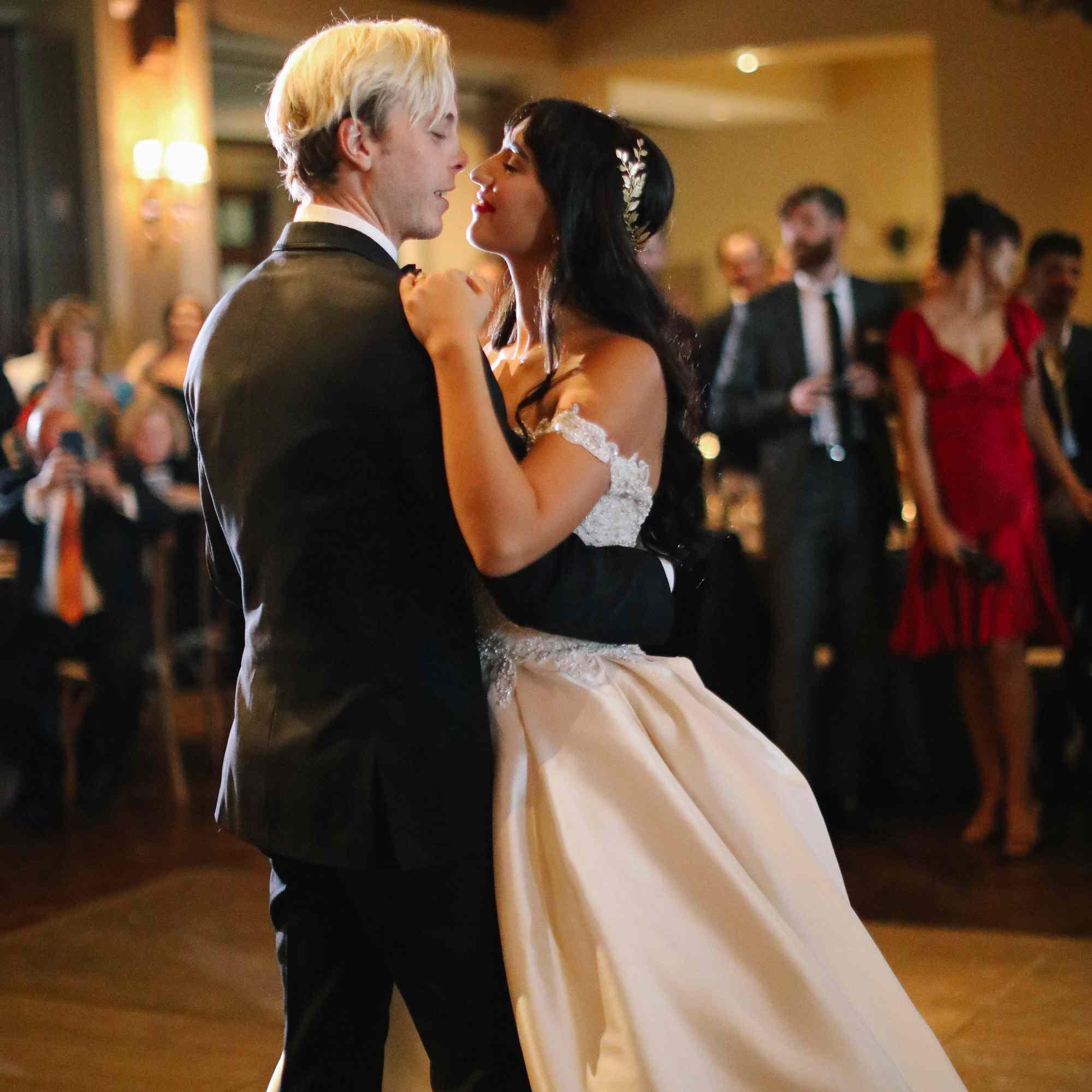 savannah and riker wedding, first dance