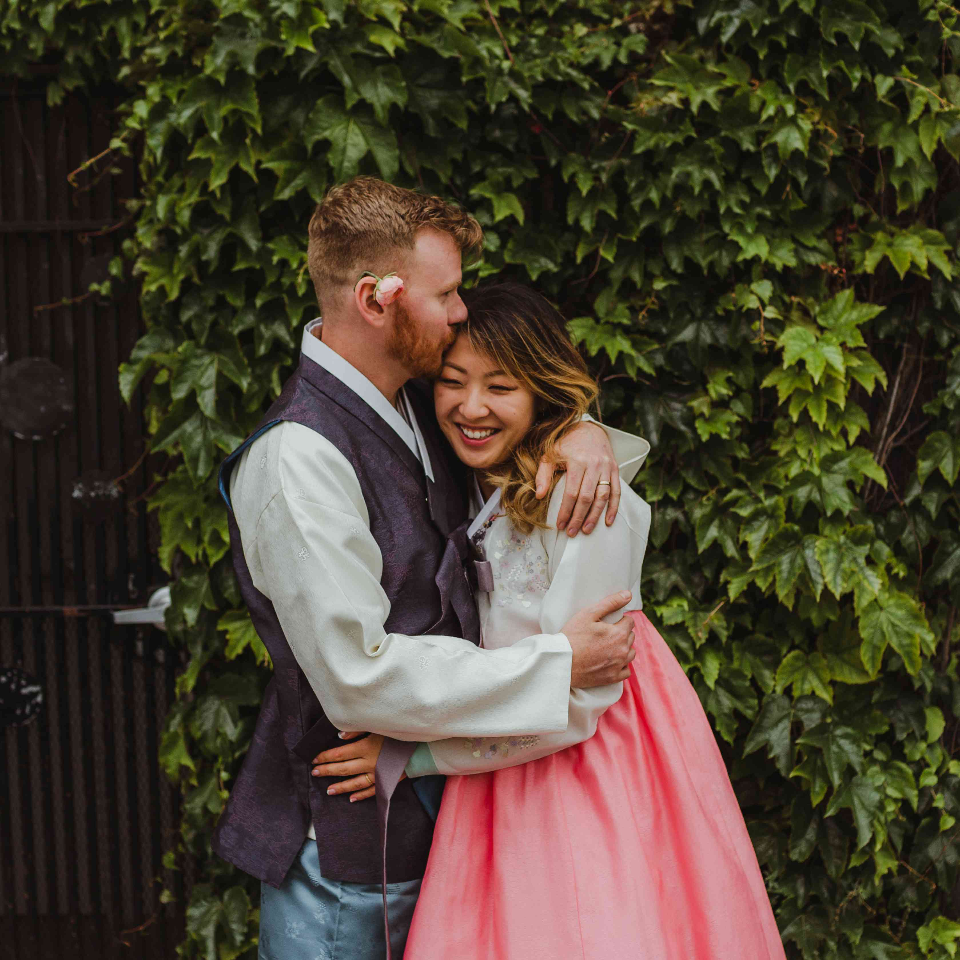 <p>Bride and groom hugging</p><br><br>