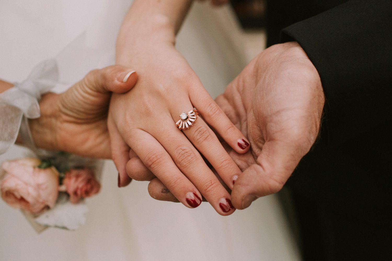 Bride with chevron design nail olish