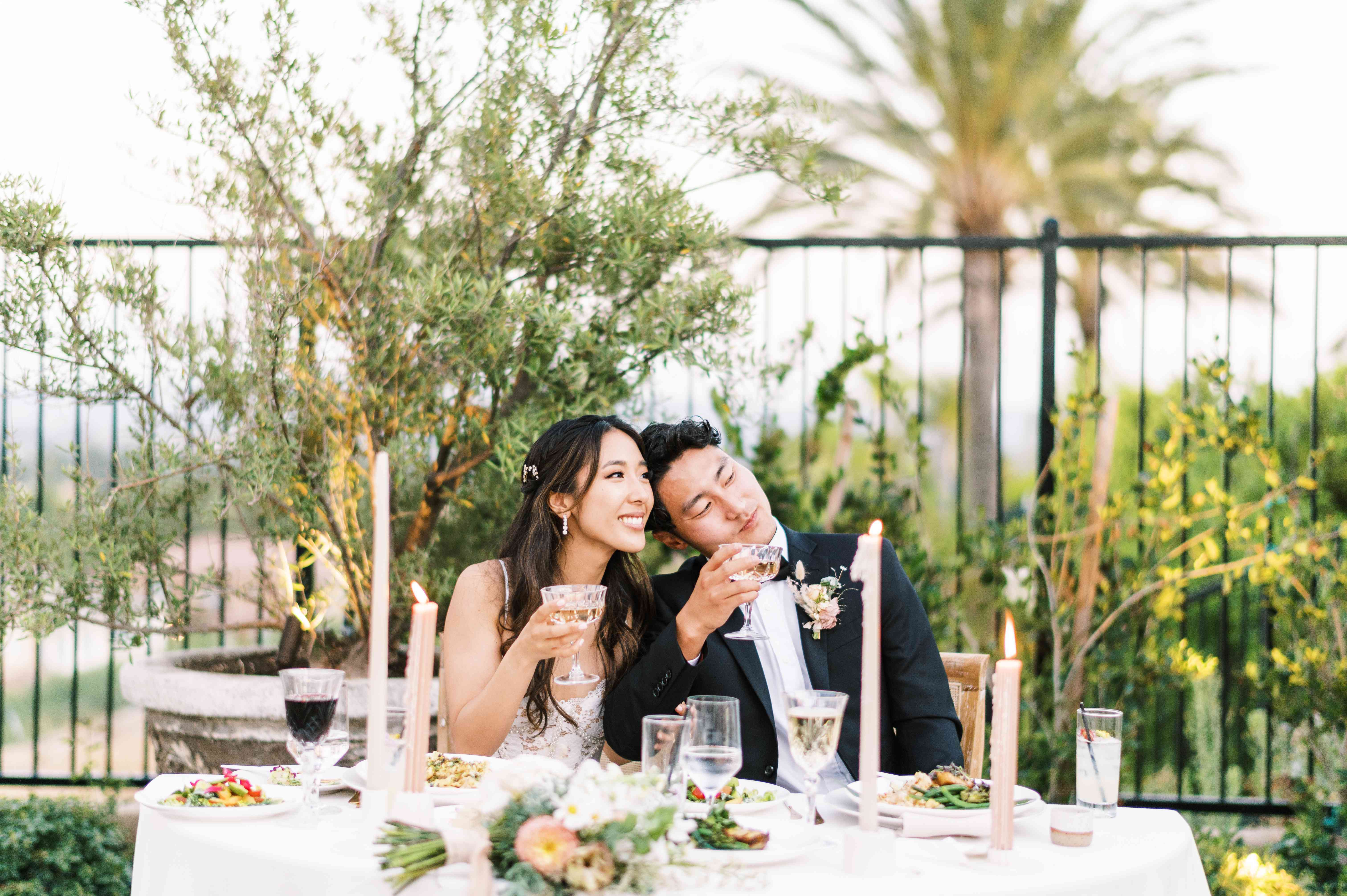 couple at sweetheart table