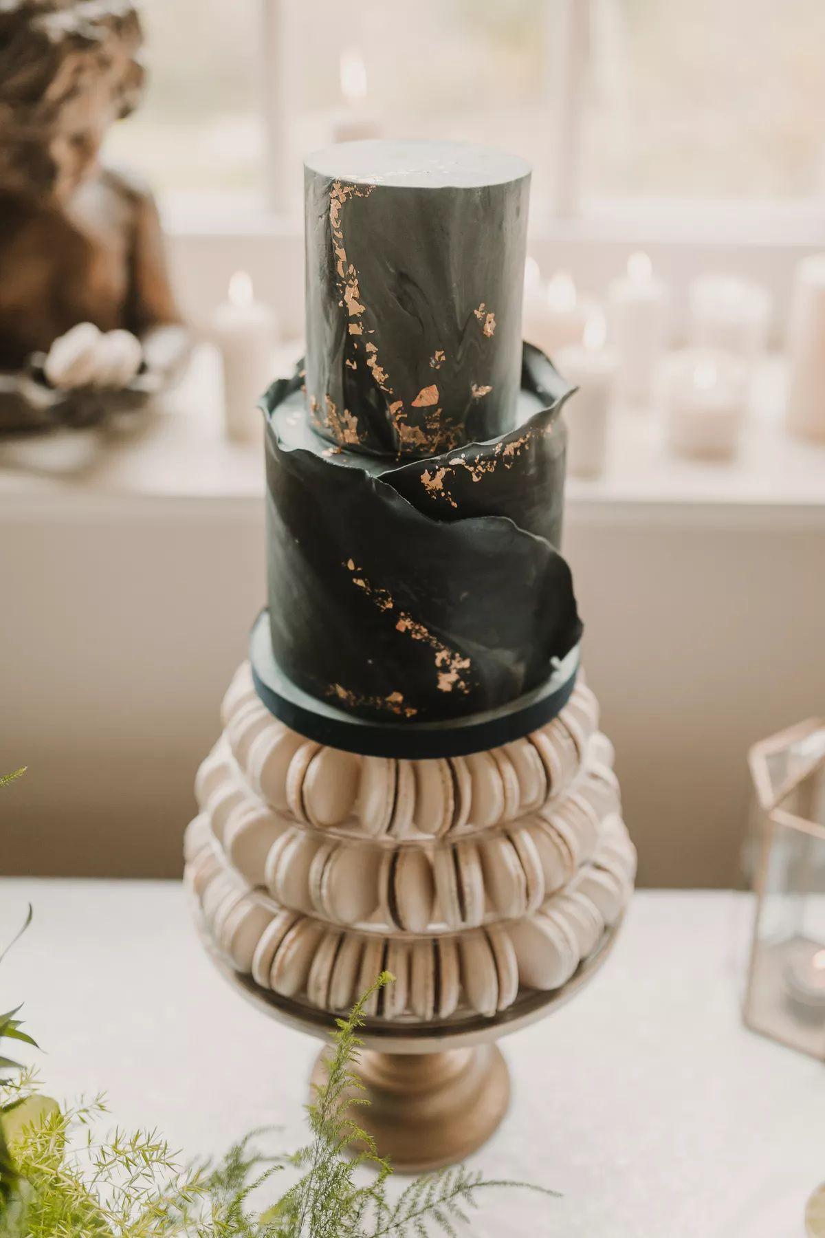 Dramatic macaron wedding cake