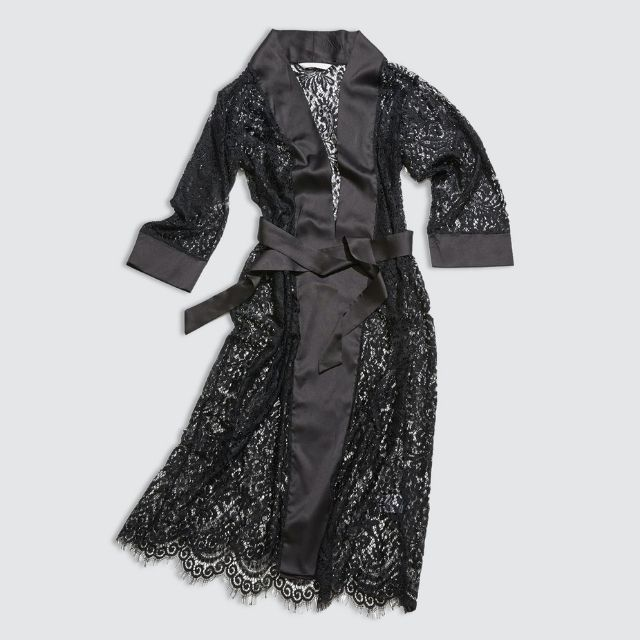 Luxurious Wellniss The Blanche Lace Robe