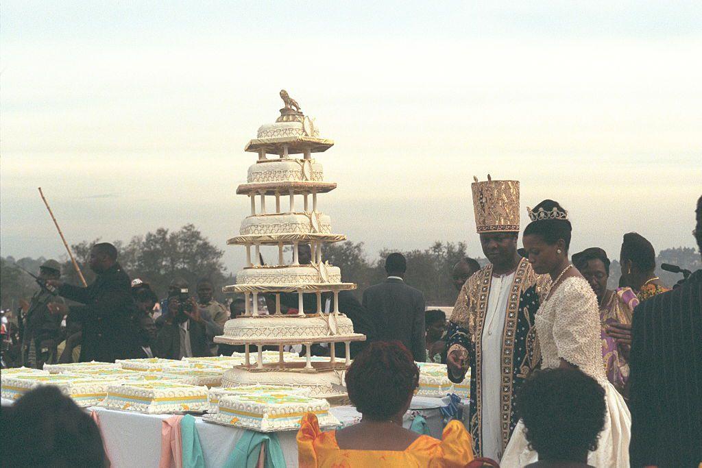 King Ronald Muwenda Mutebi II wedding cake