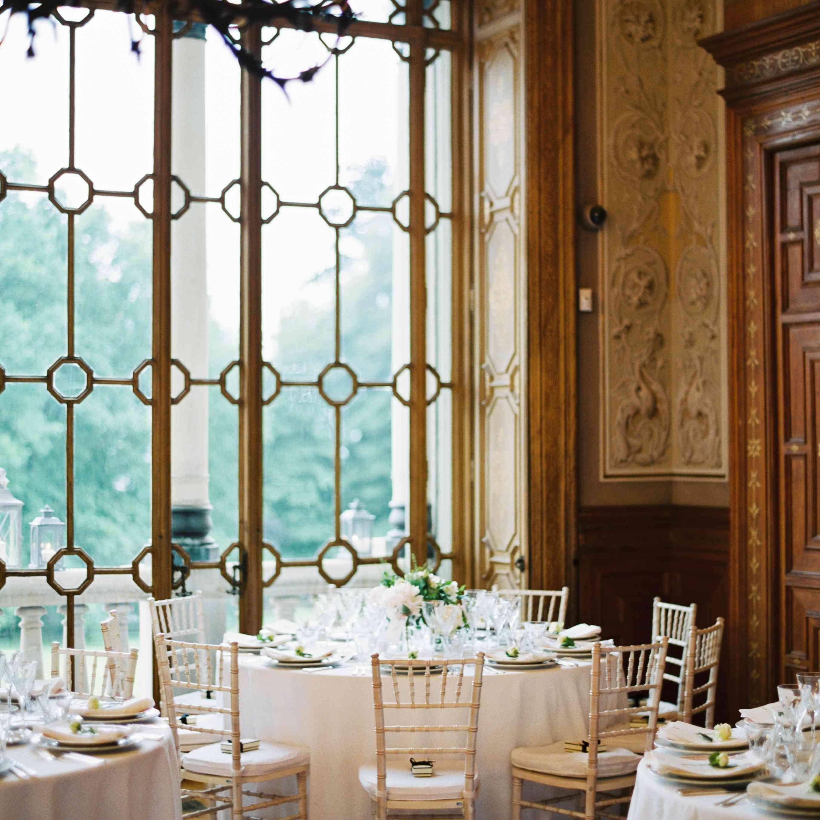 Northern Italian Wedding, Reception Tables