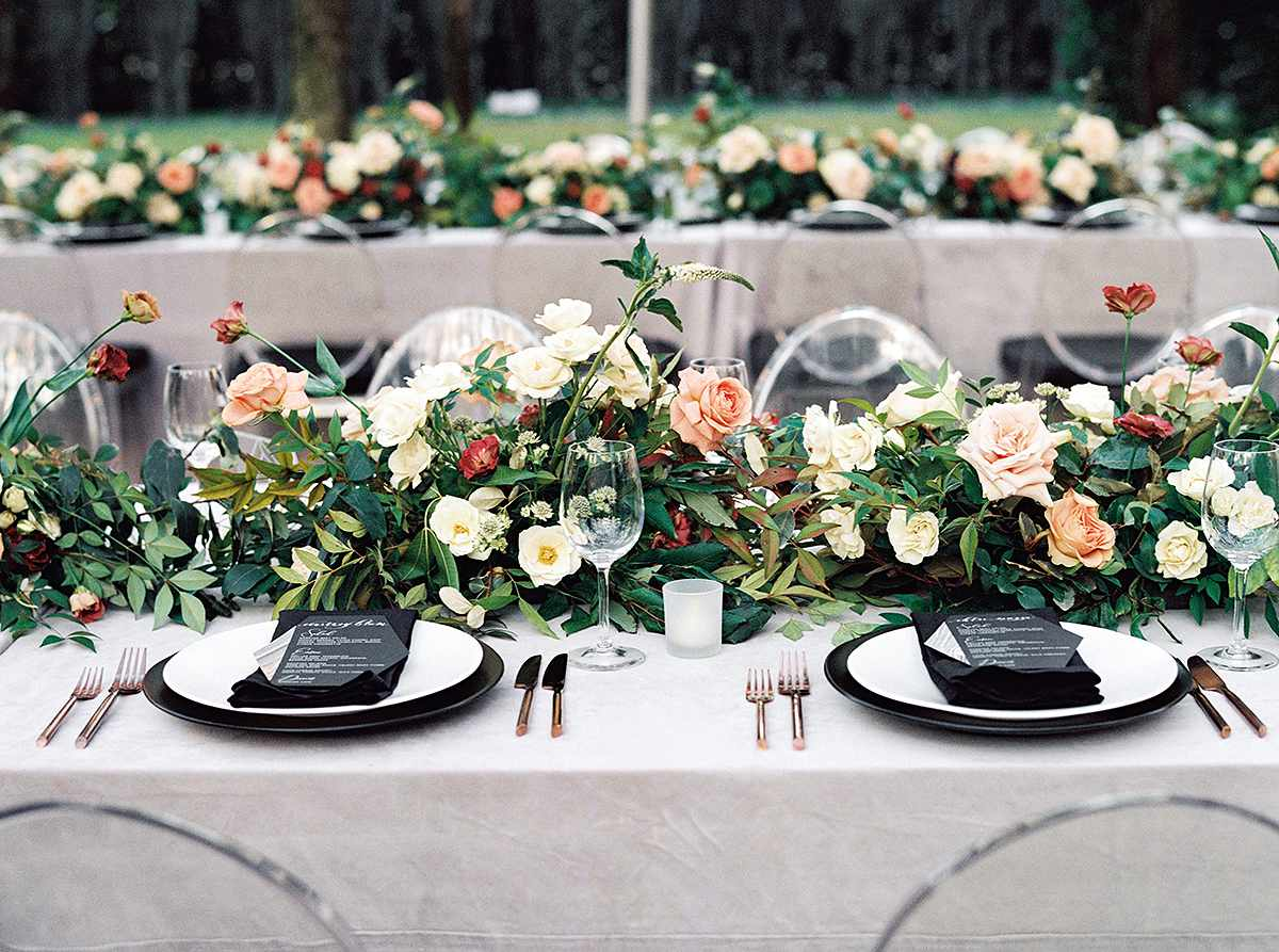 Wedding reception table with black elements