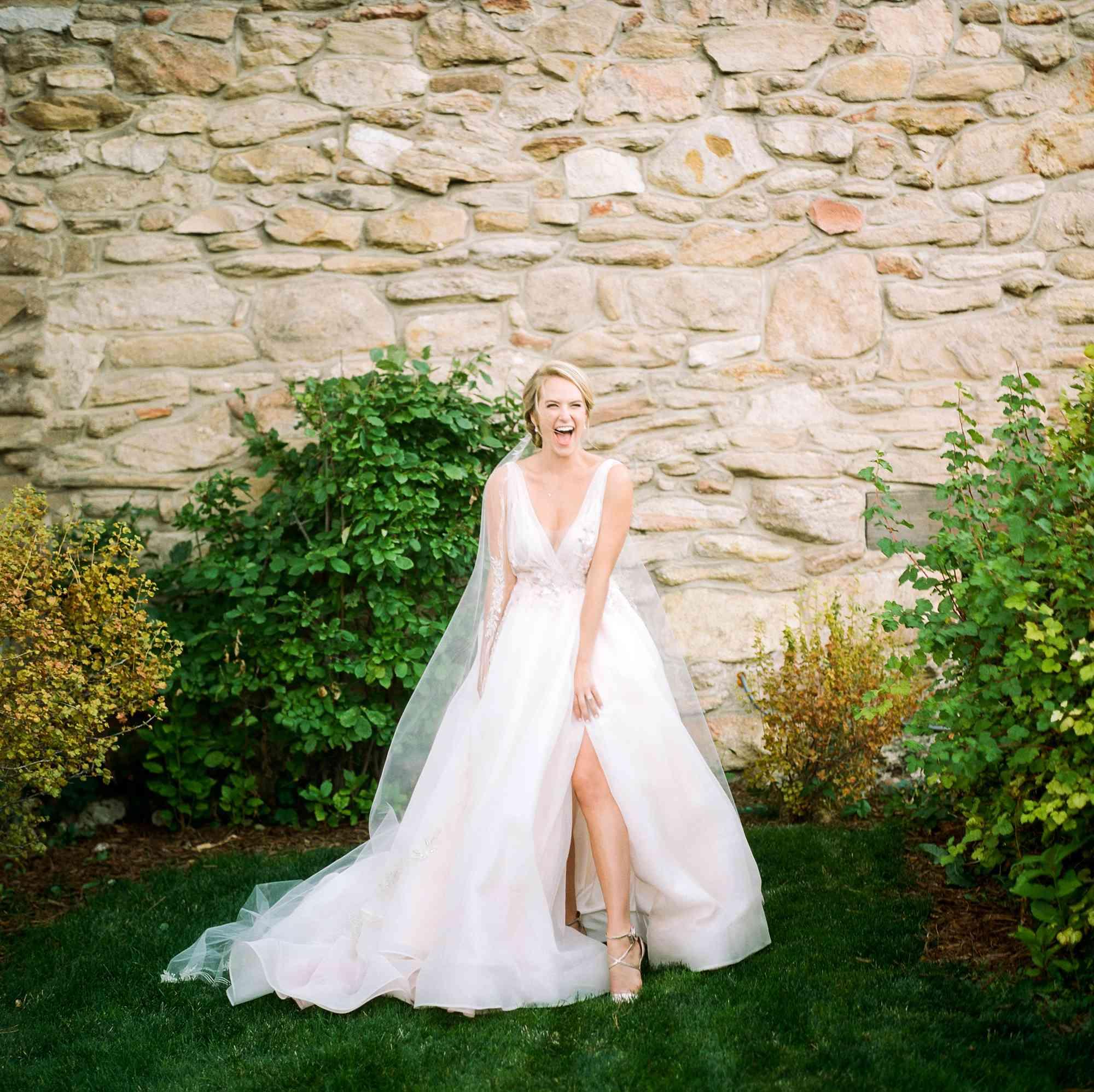 bride wedding dress with split