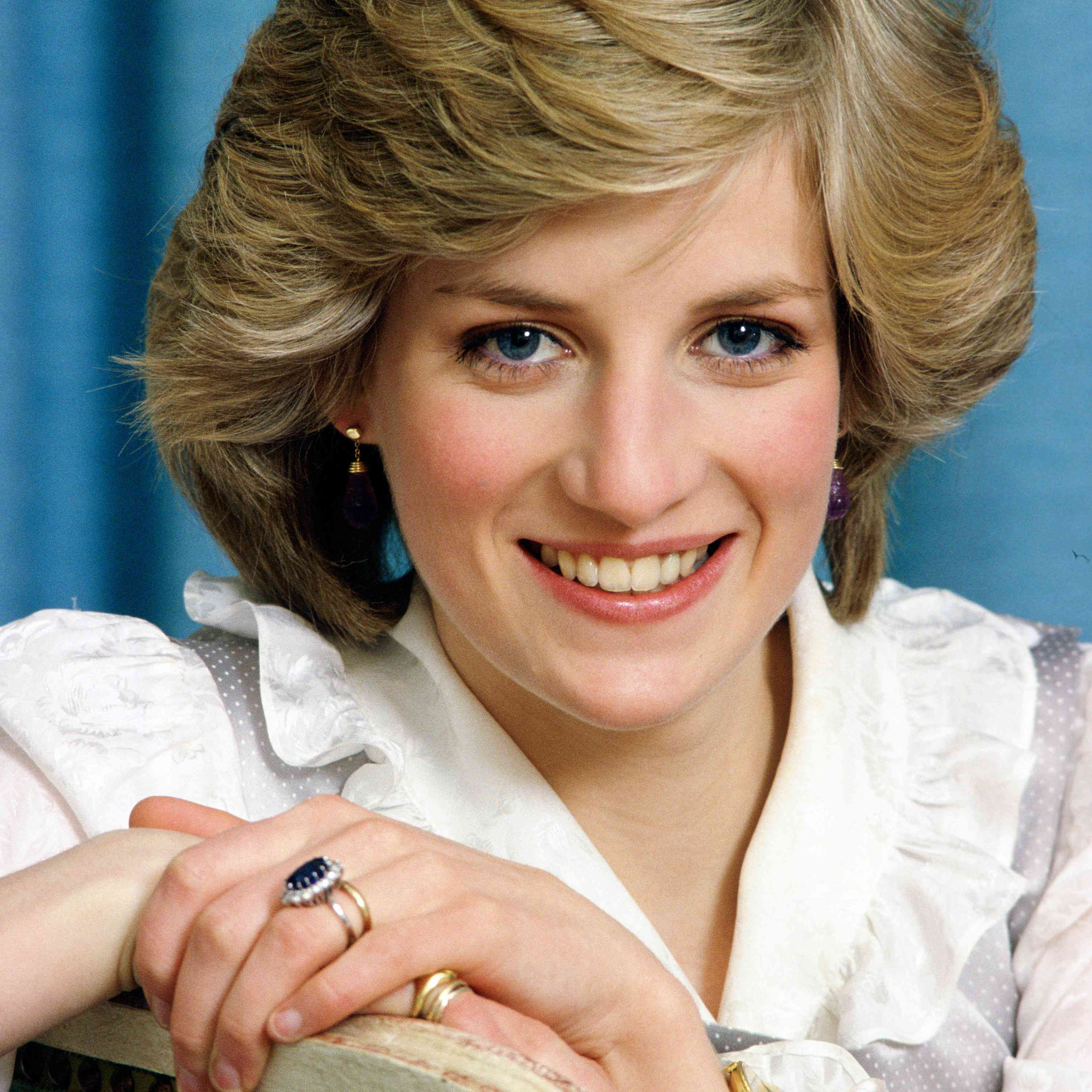 Princess Diana Wedding Ring.Why Princess Diana S Engagement Ring Caused Controversy Within The