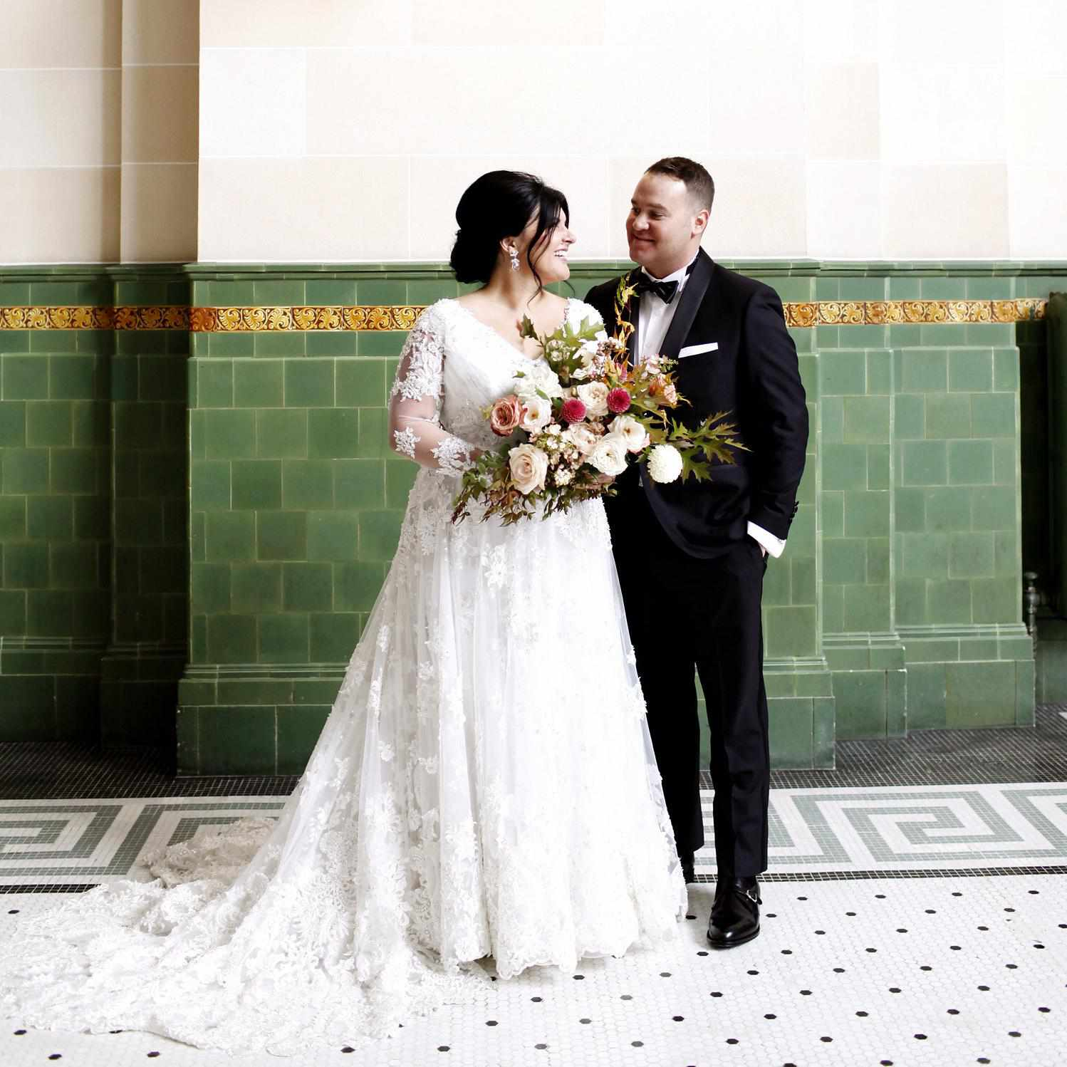 Story Tips For Creating Wedding Website: How To Make Your Hair And Makeup Last Through Your Entire