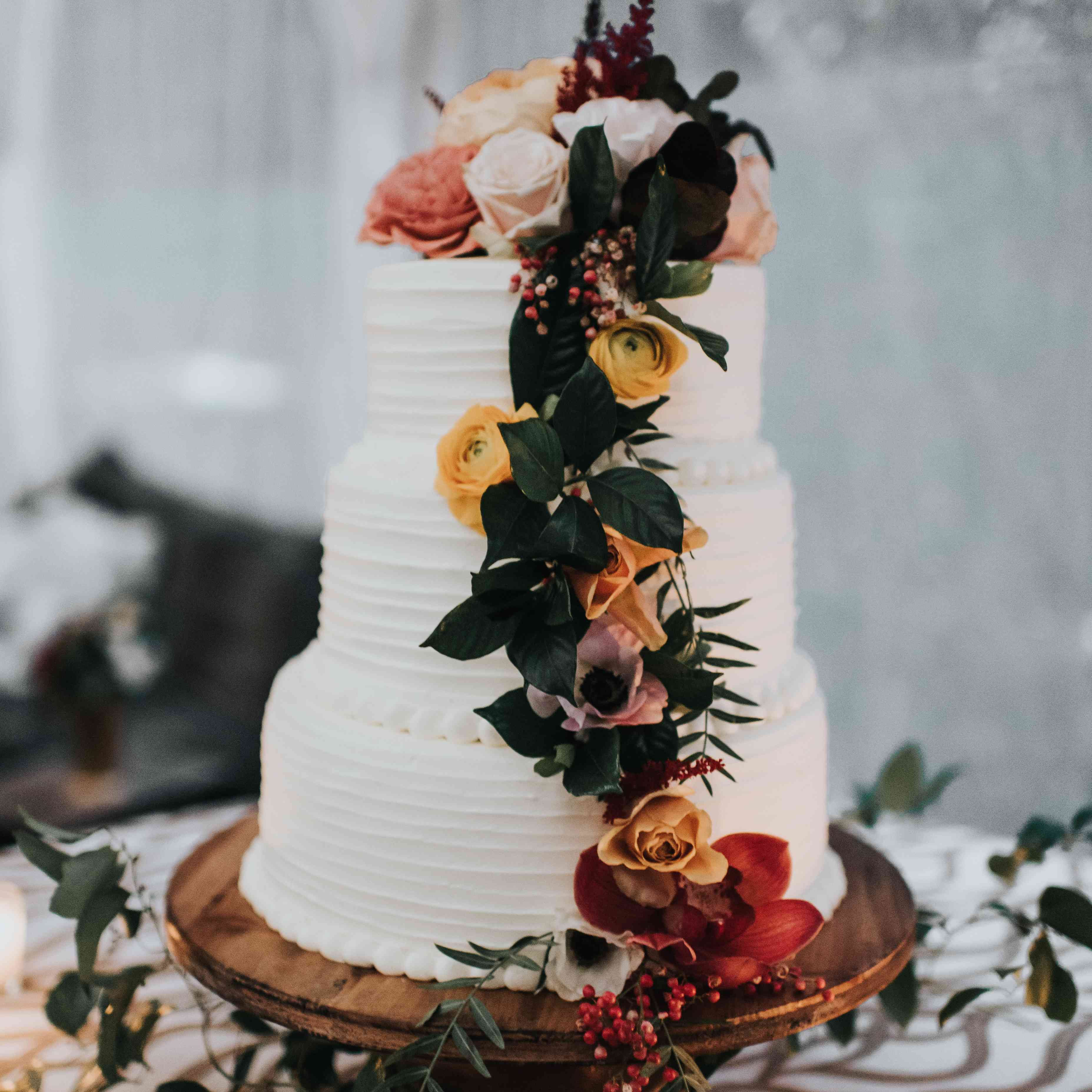 personalized michigan wedding, white cake with flowers