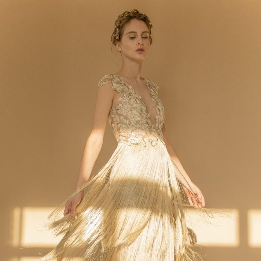 20 Champagne Wedding Dresses For The Bride Who Wants Subtle Color