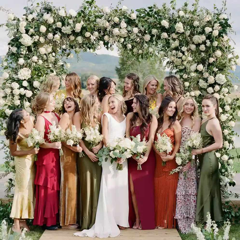 Large bridal party in fall color palette