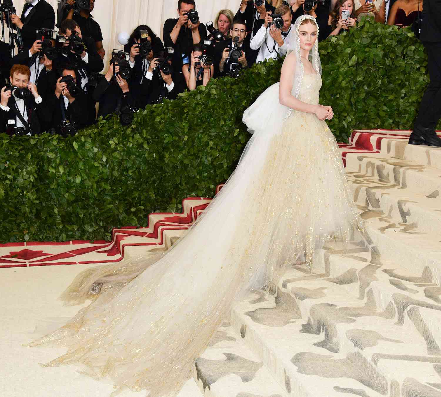 Kate Bosworth poses on the Met Gala stairs at the 2018 Met Ball.