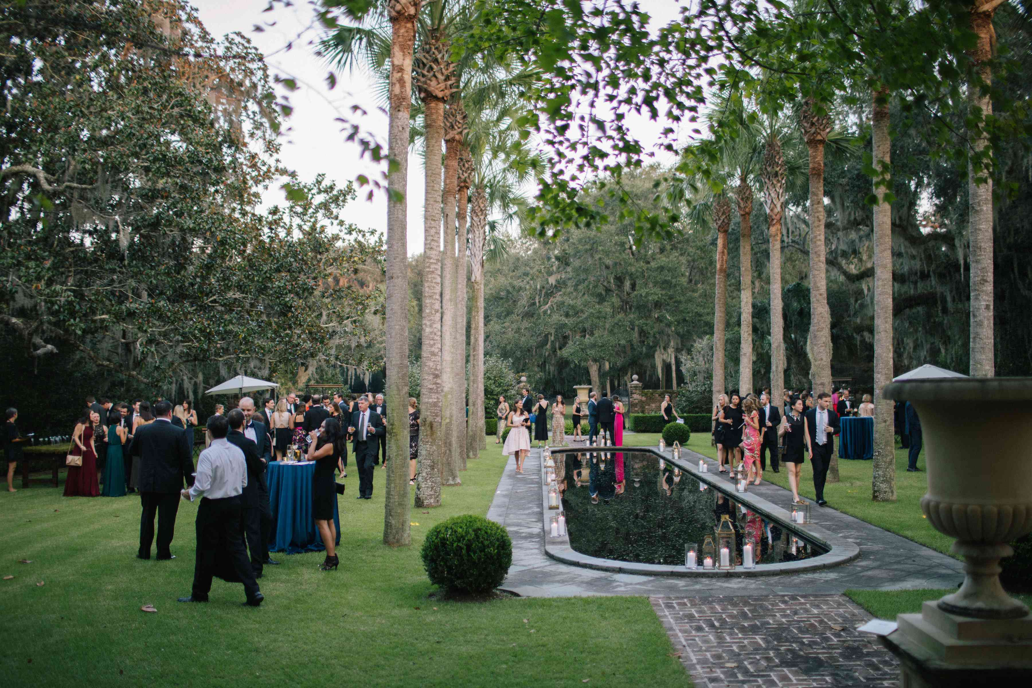 <p>Guests at wedding reception outdoors</p><br><br>