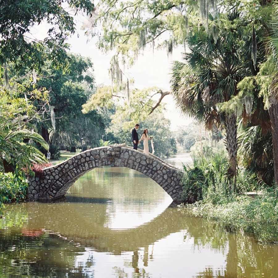 <p>Wedding photo at New Orleans City Park</p>