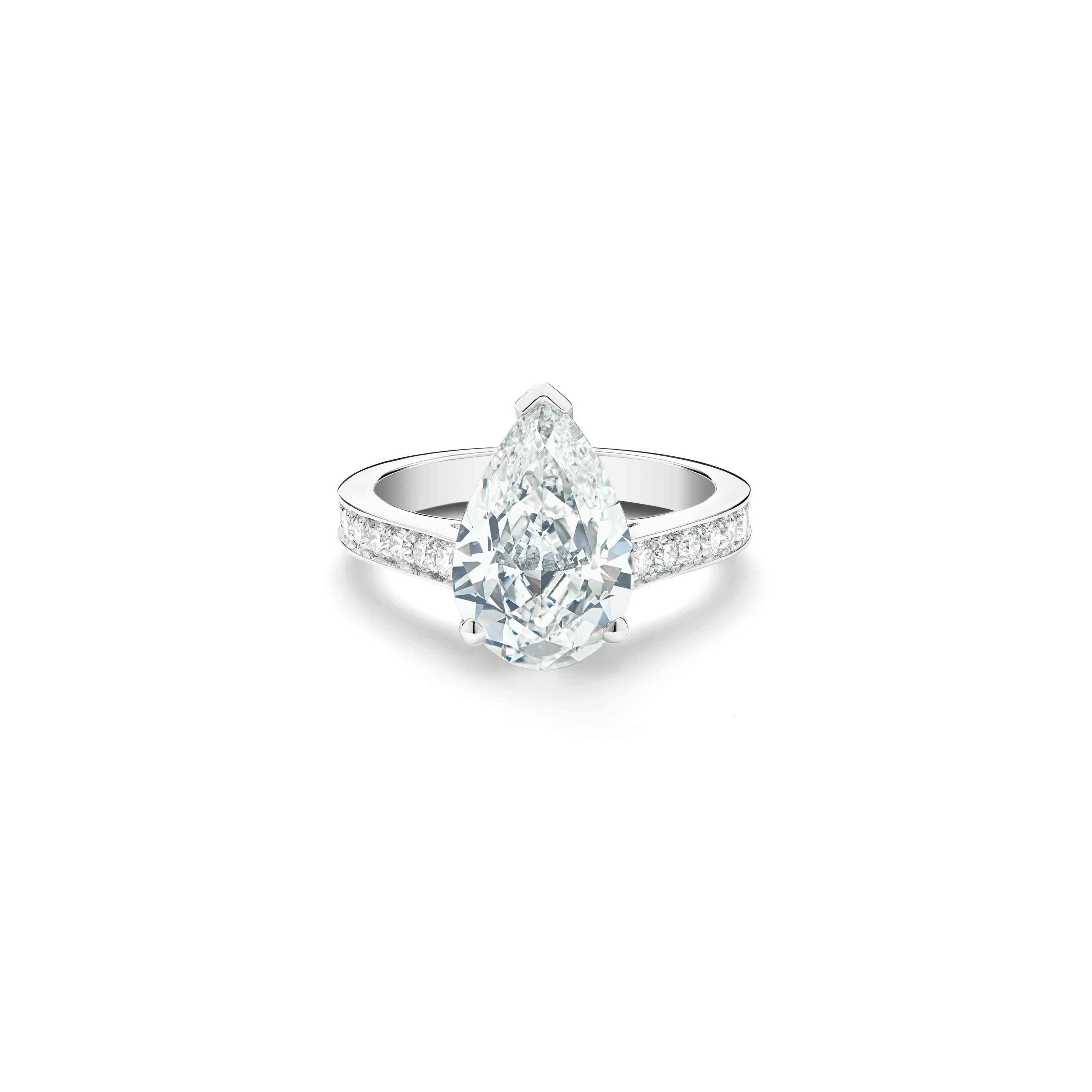 De Beers Old Bond Street Pear-Shaped Diamond Ring