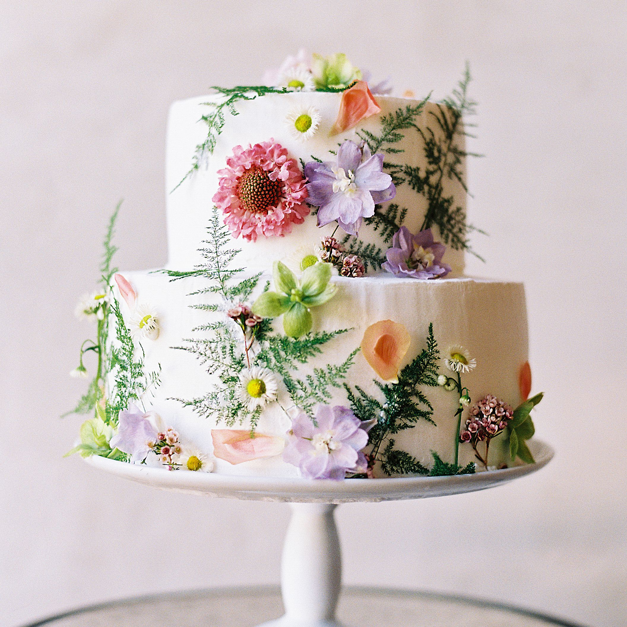 The Ultimate Wedding Cake Cost Guide