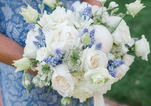 <p>bridesmaid bouquets</p>