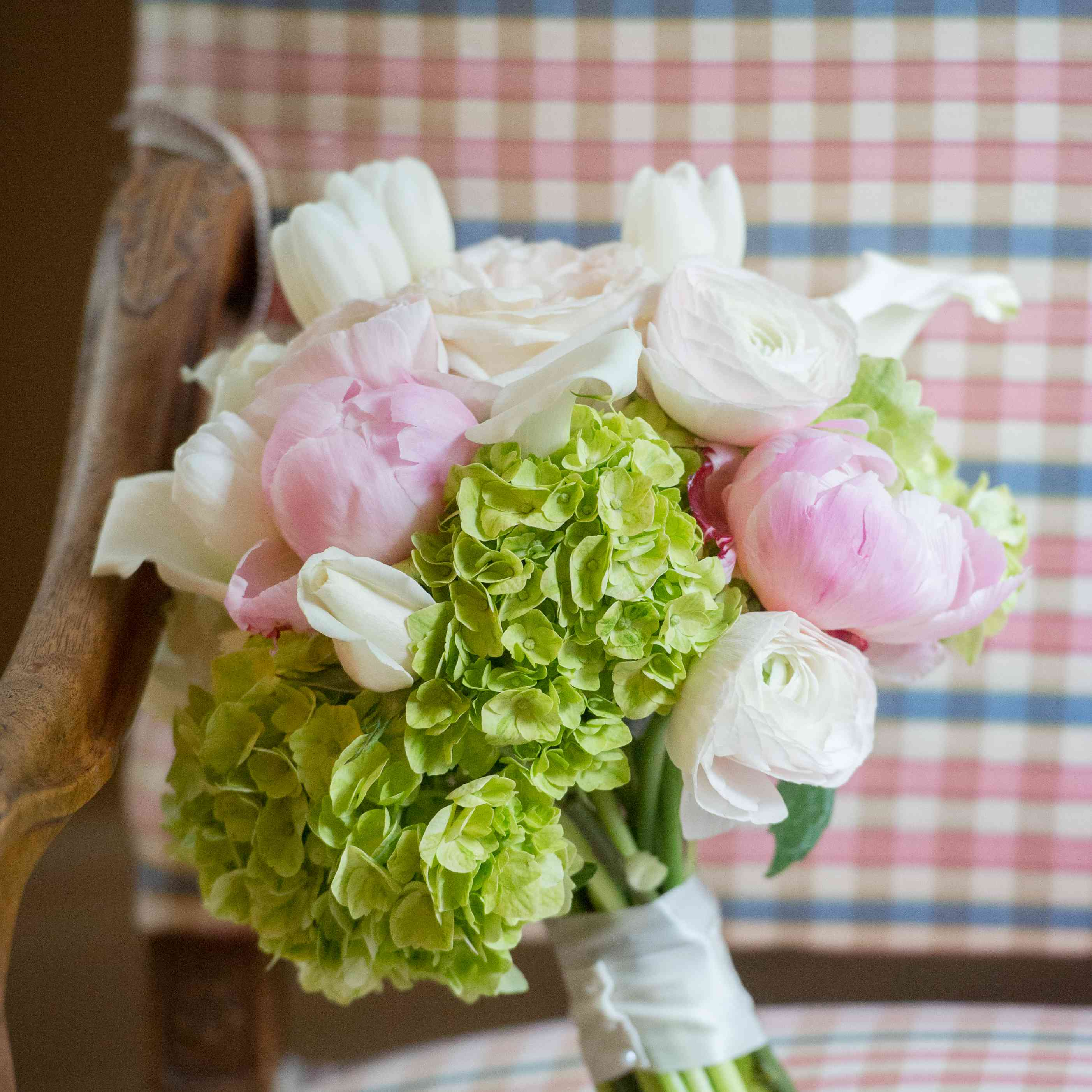 <p>Hydrangea and Peony Bouquet</p><br><br>