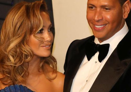 Jennifer Lopez and Alex Rodriguez attend the 2019 Vanity Fair Oscar Party together.