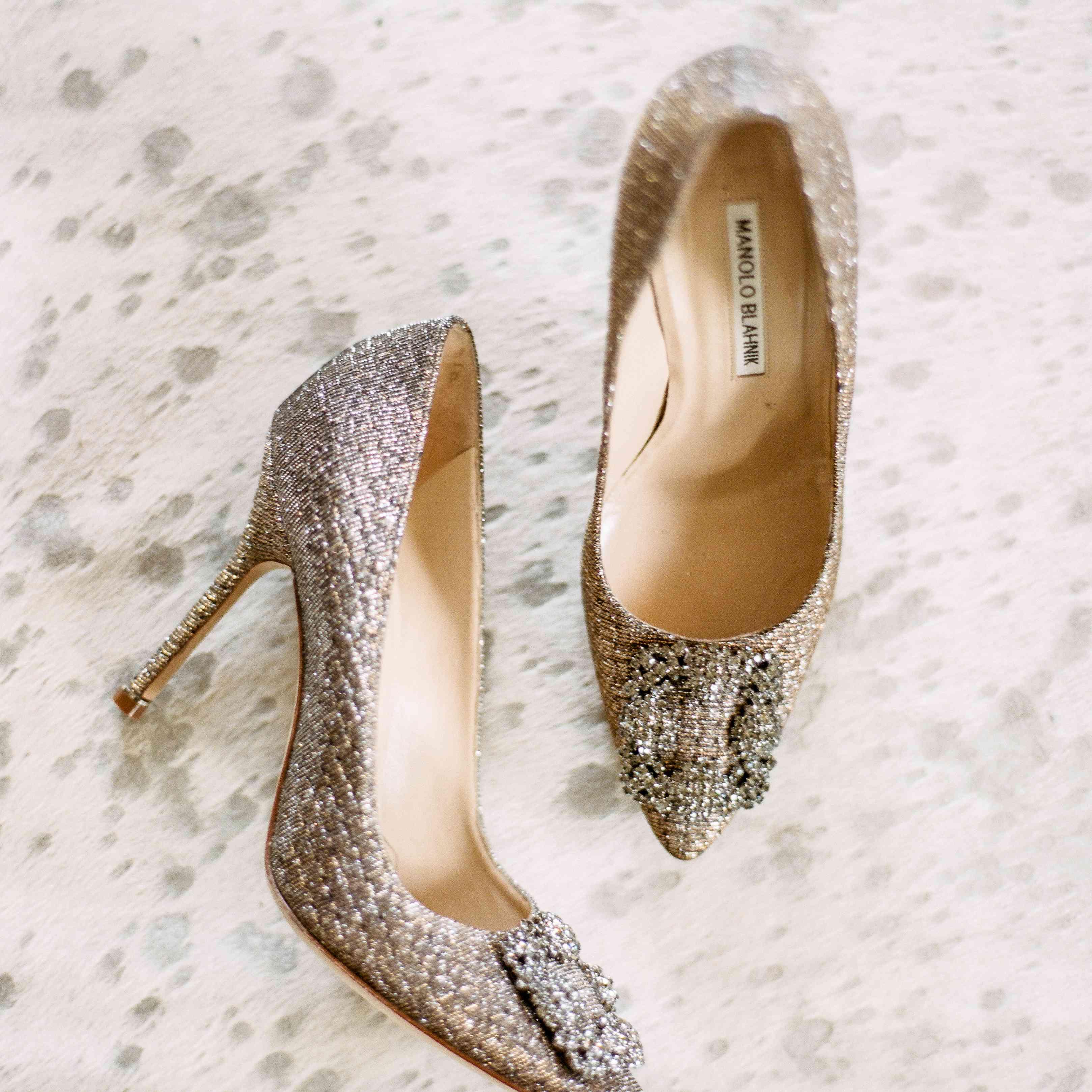 <p>shoes</p><br><br>