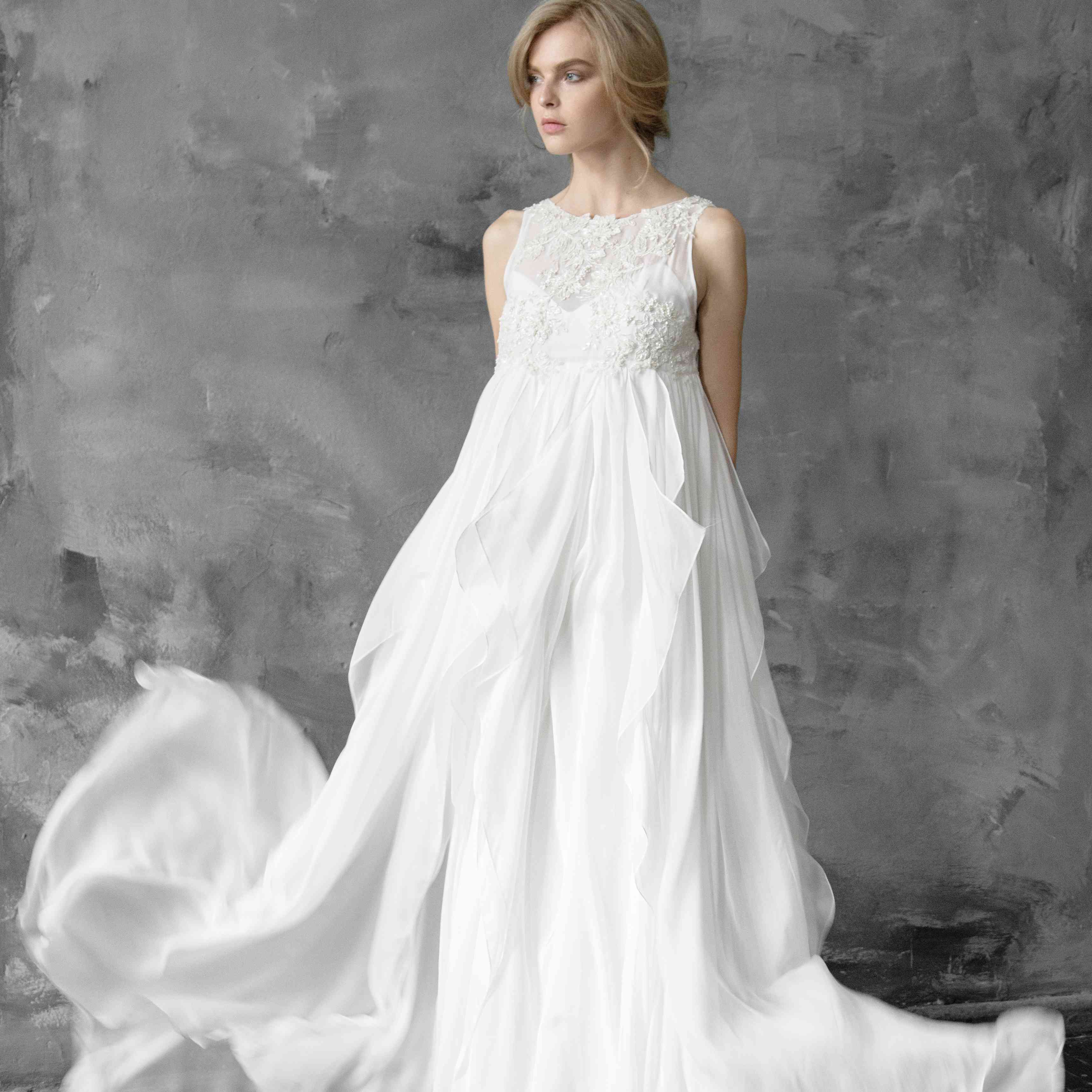 Wedding Gowns For Pregnant Brides Pictures: How To Find The Perfect Maternity Wedding Dress: 10 Tips