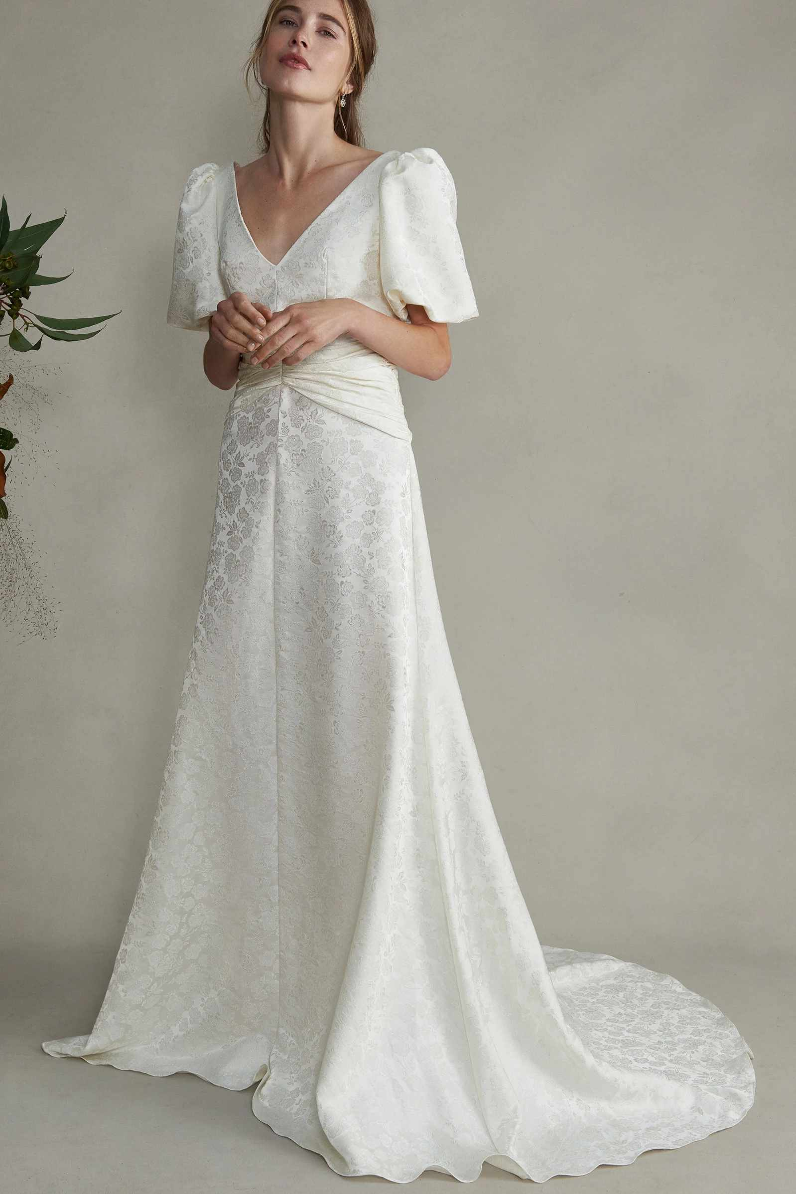 puff sleeves gown