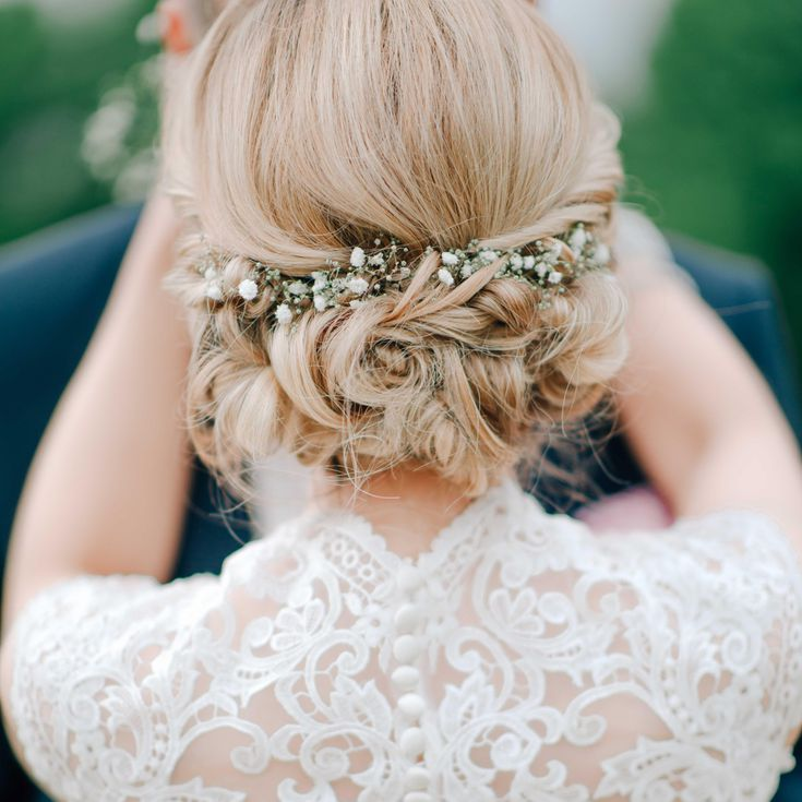 22 Ethereal Wedding Hairstyles Featuring Baby S Breath