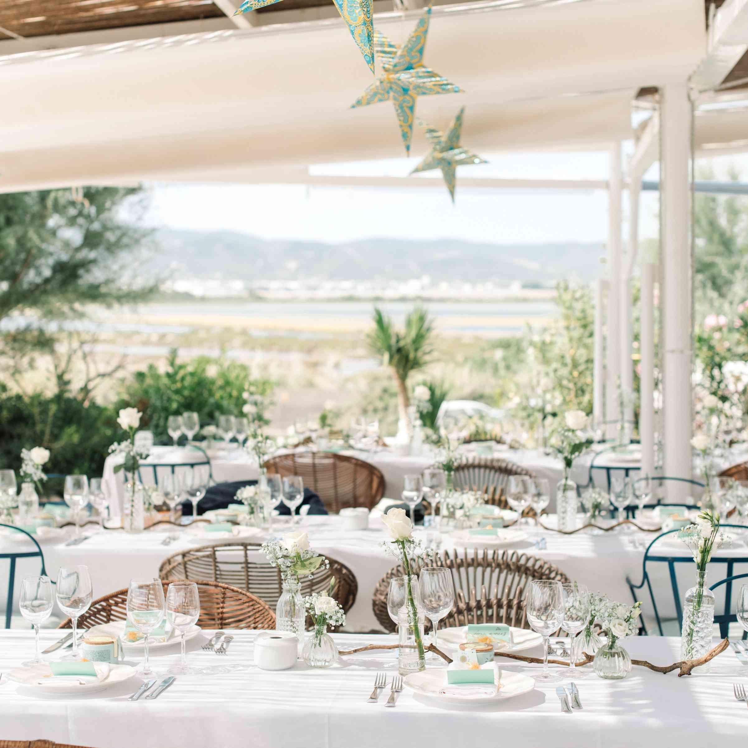 Reception dinner table arrangement