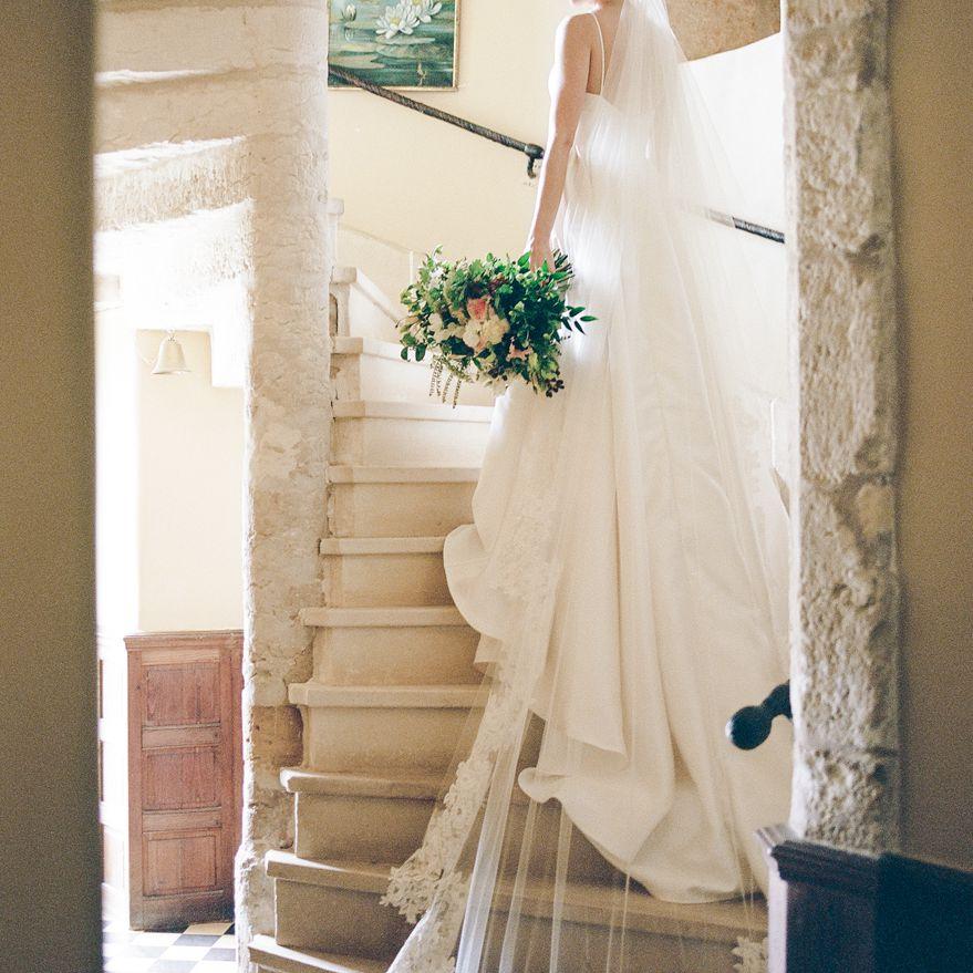 <p>bride long train wedding dress</p><br><br>